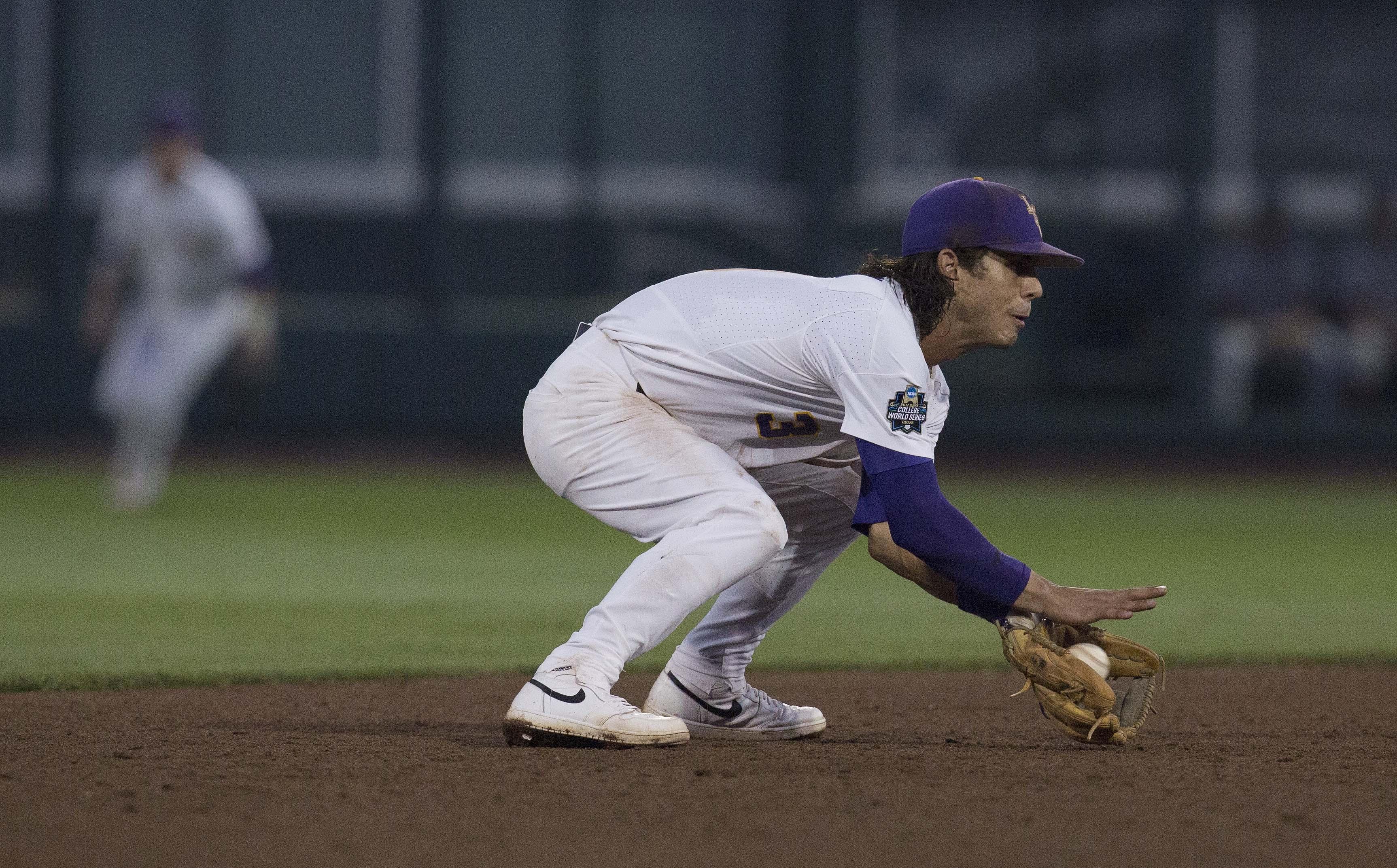 10118344-ncaa-baseball-college-world-series-florida-state-vs-lsu