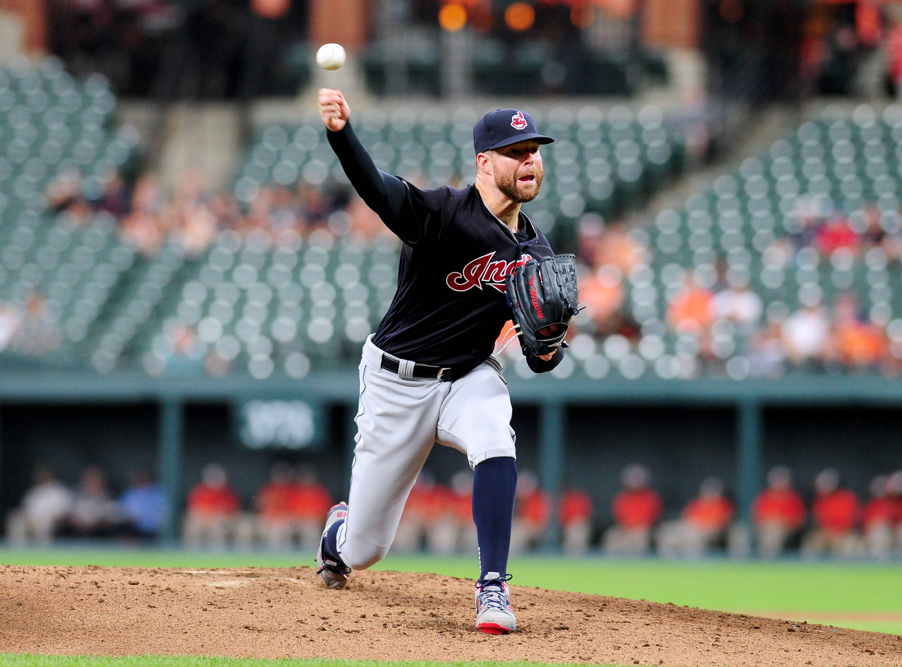 10121377-mlb-cleveland-indians-at-baltimore-orioles