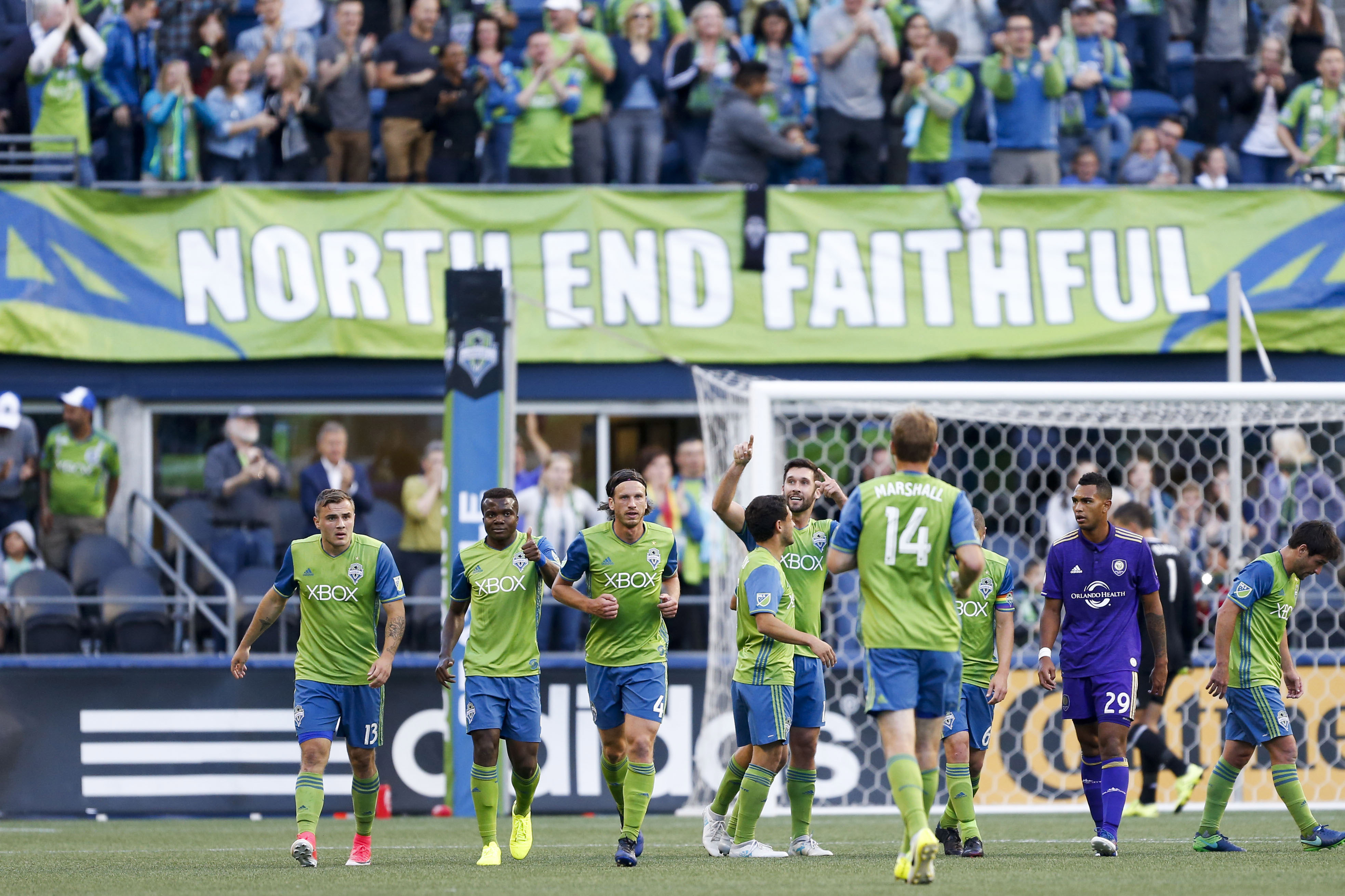 10125813-mls-orlando-city-sc-at-seattle-sounders-fc