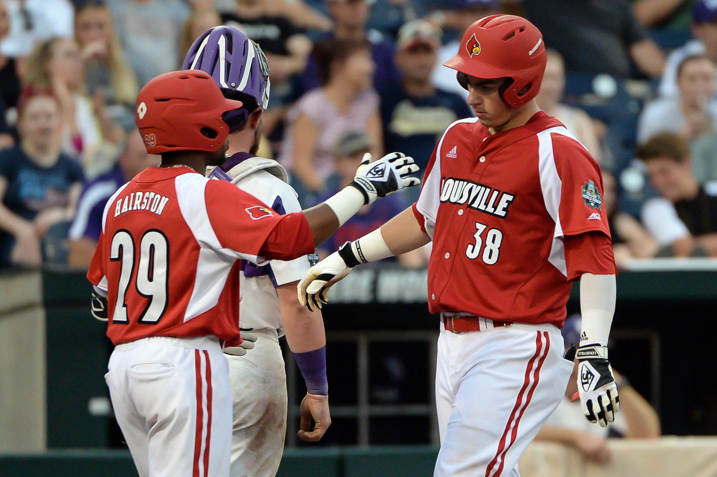 10126758-ncaa-baseball-college-world-series-louisville-vs-tcu