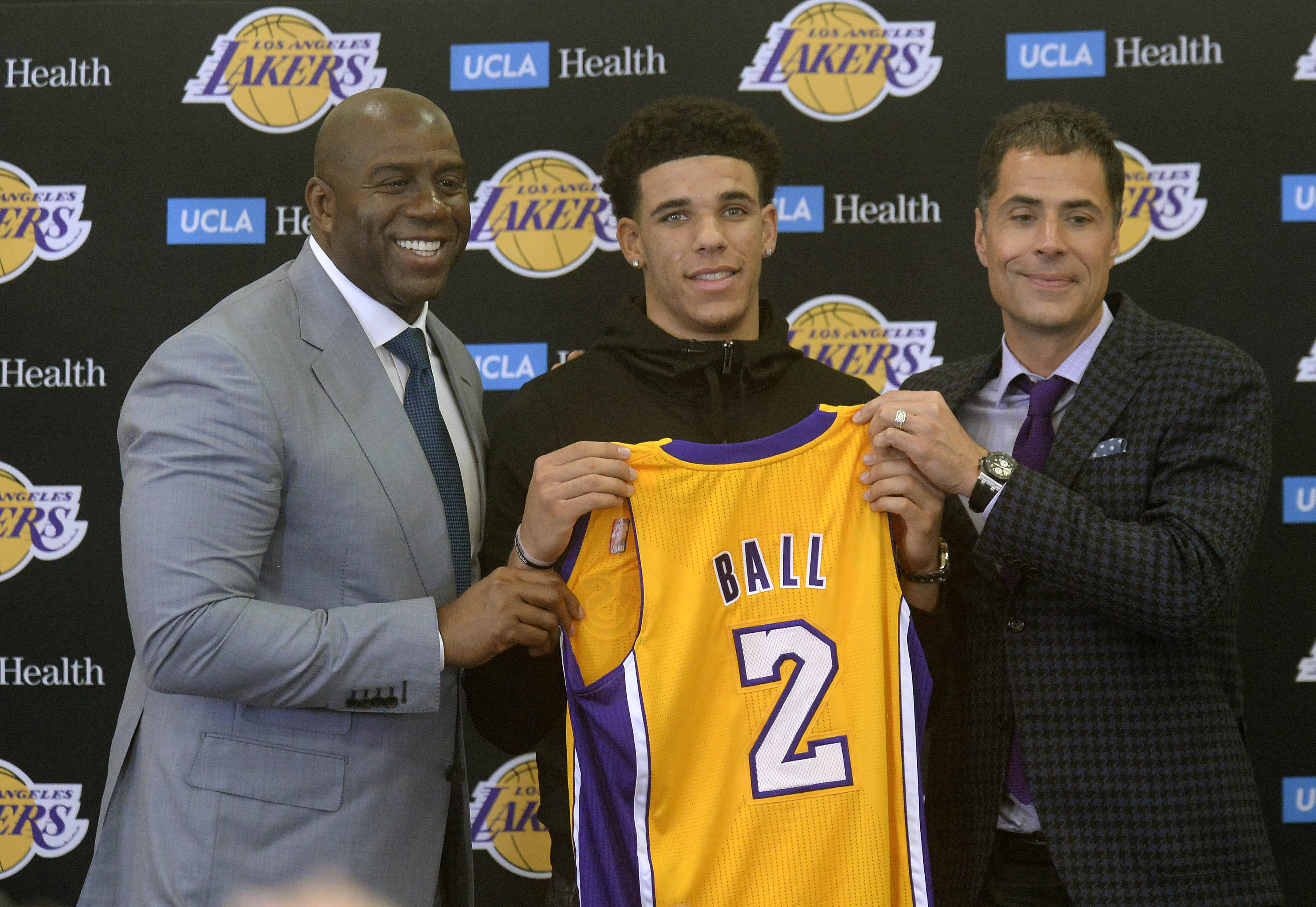 10127230-nba-los-angeles-lakers-press-conference-3