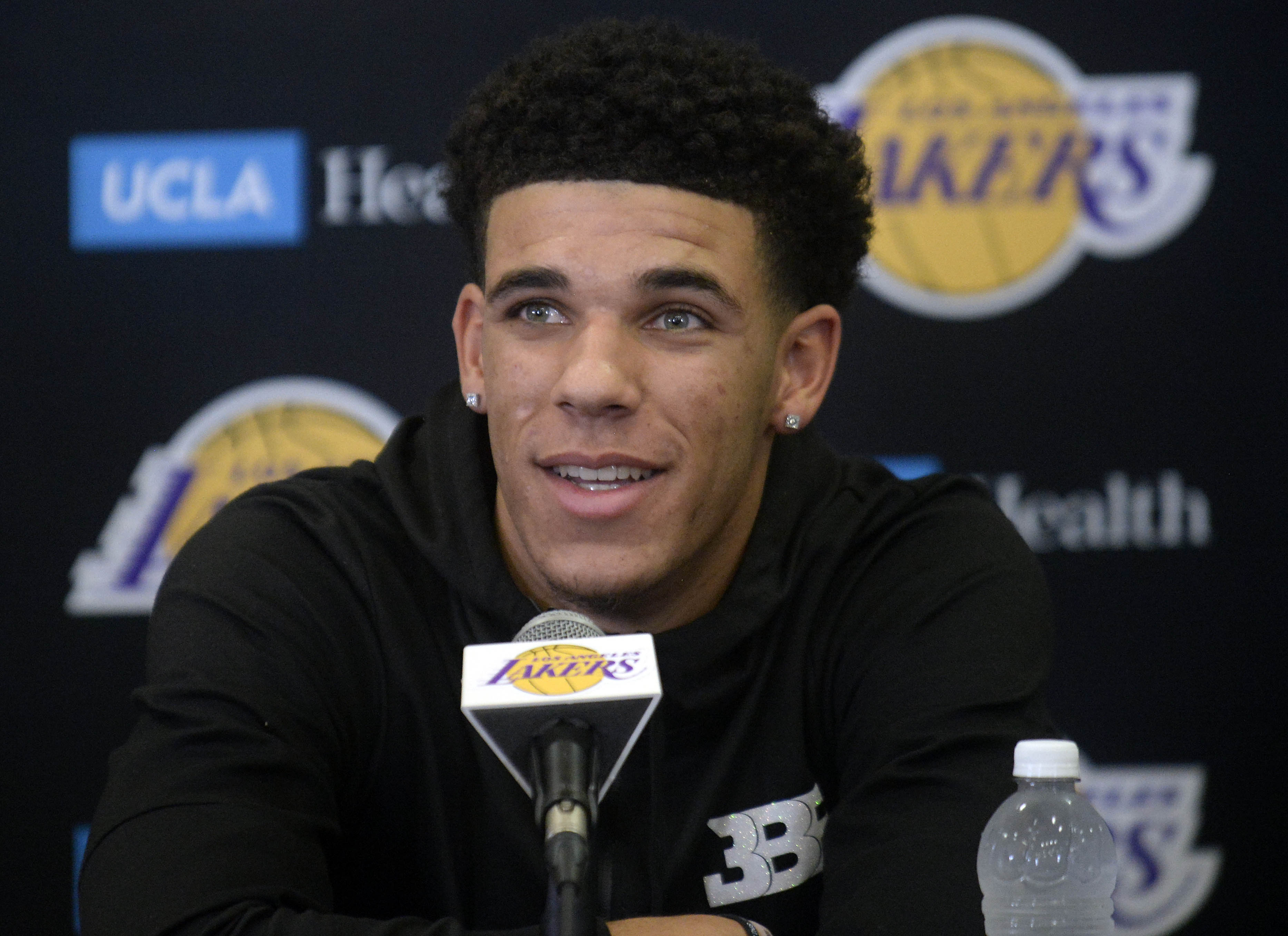 10127262-nba-los-angeles-lakers-press-conference-1