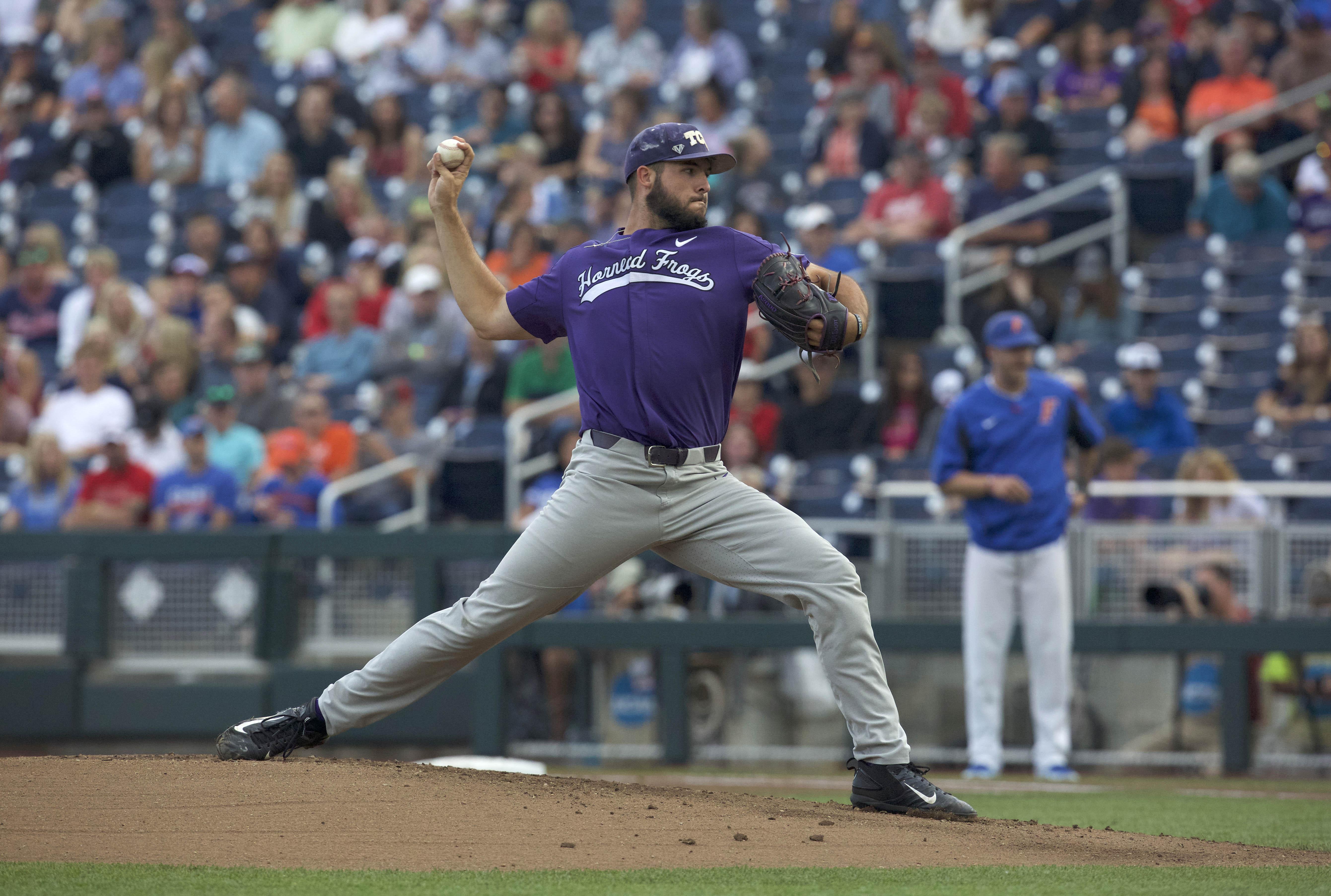 10127573-ncaa-baseball-college-world-series-florida-vs-tcu