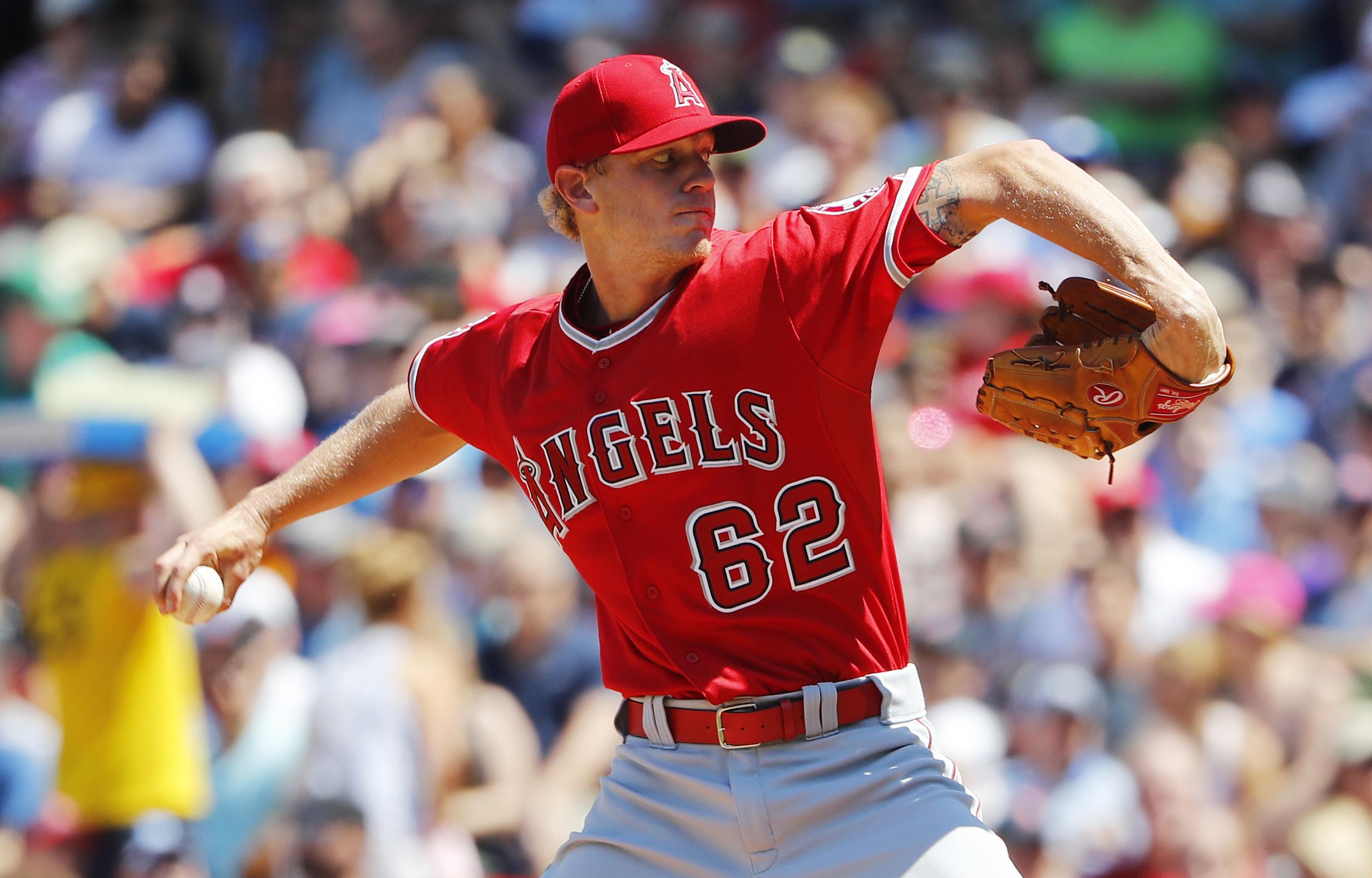 10130839-mlb-los-angeles-angels-at-boston-red-sox