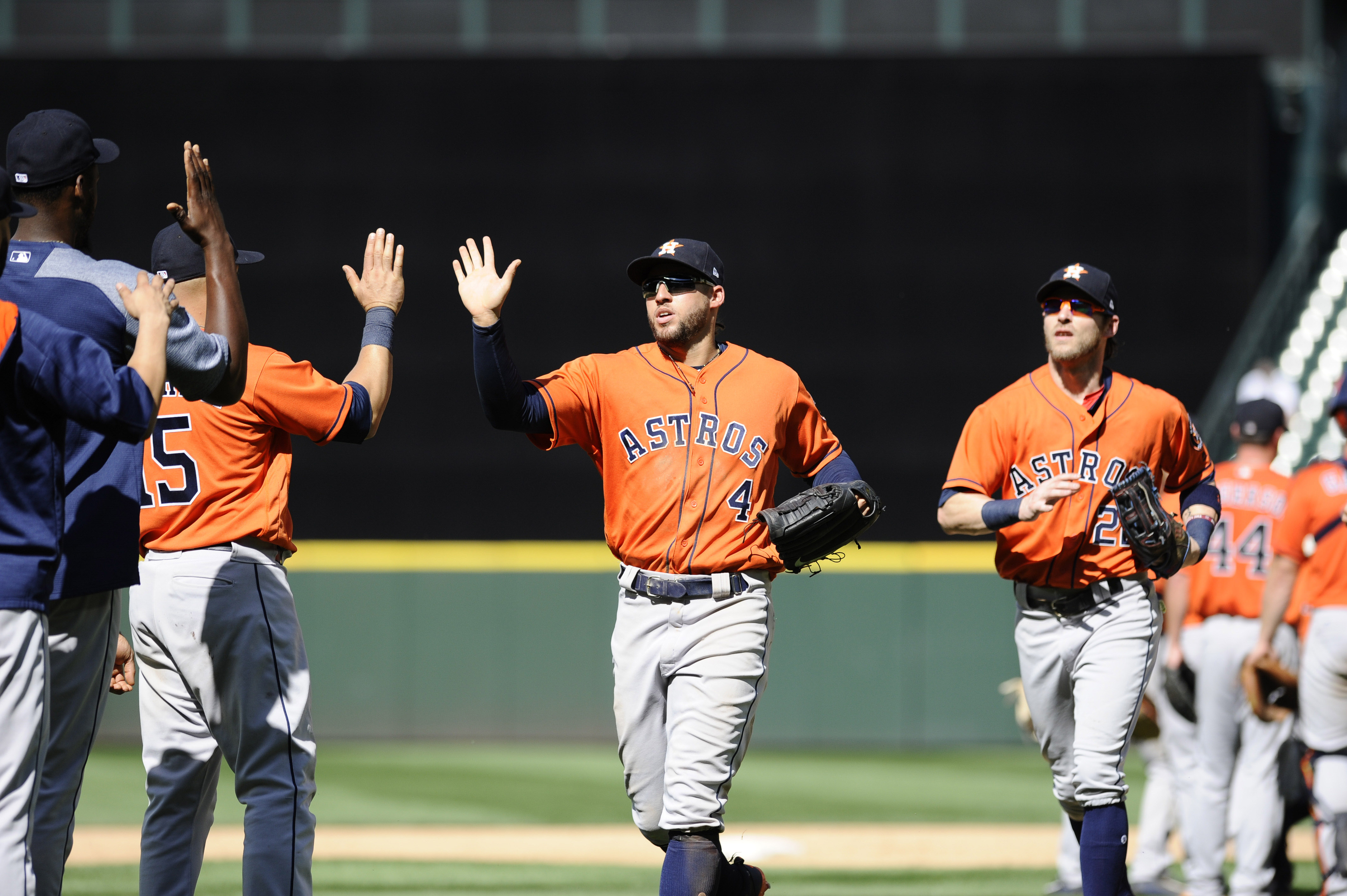 10131416-mlb-houston-astros-at-seattle-mariners