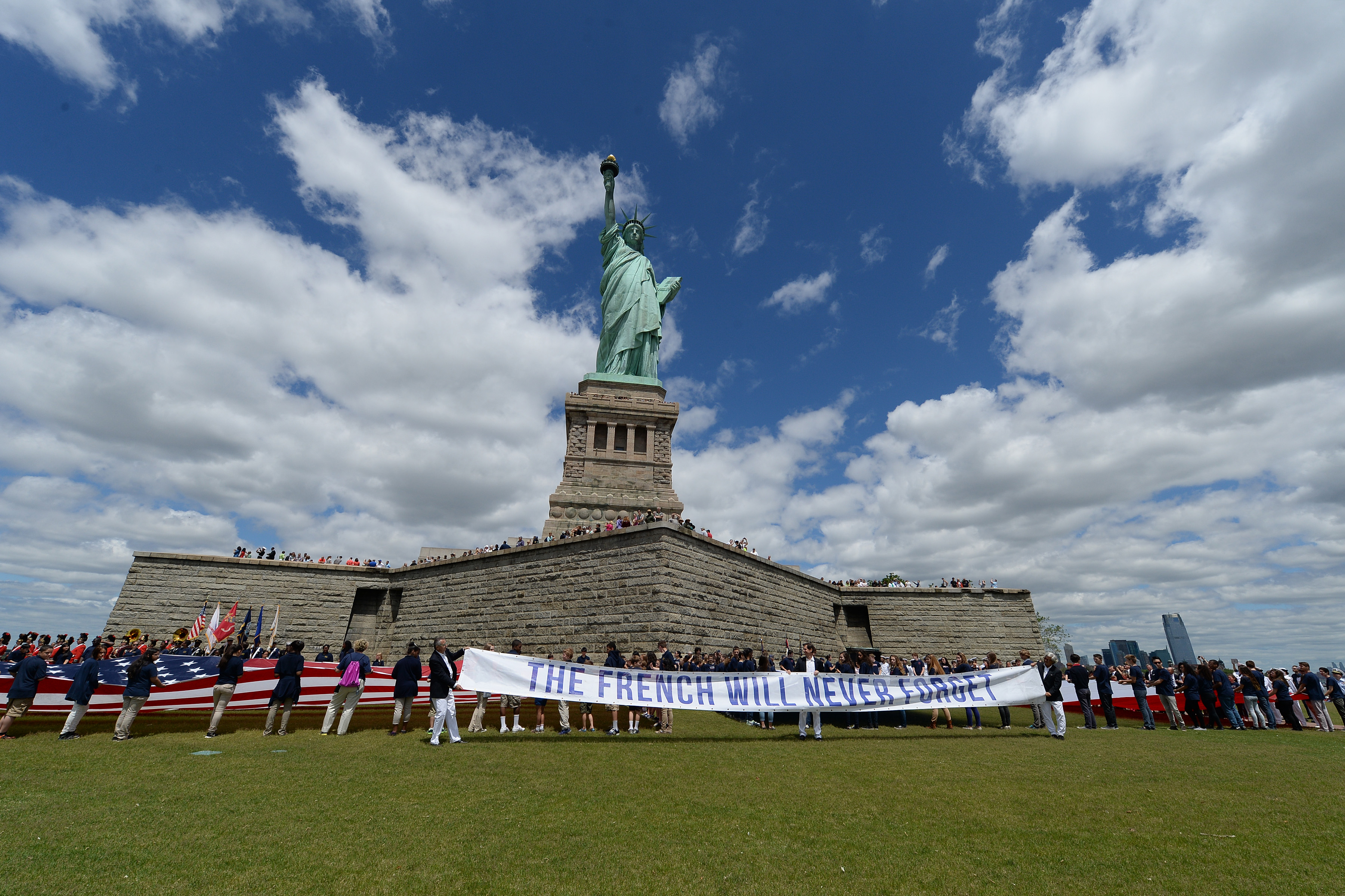 13677607-ny-70th-anniversary-of-d-day-commemoration