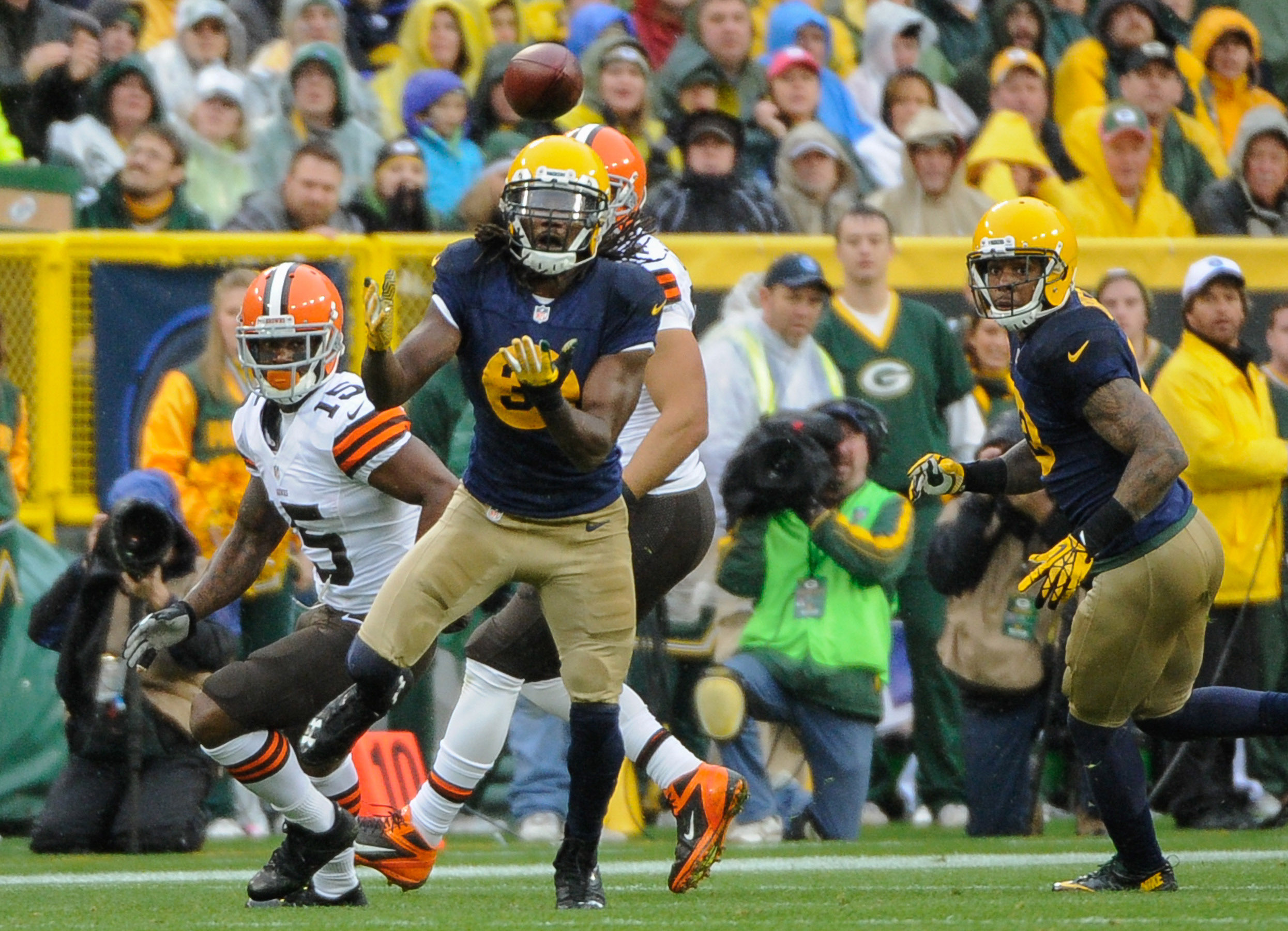 7504148-nfl-cleveland-browns-at-green-bay-packers