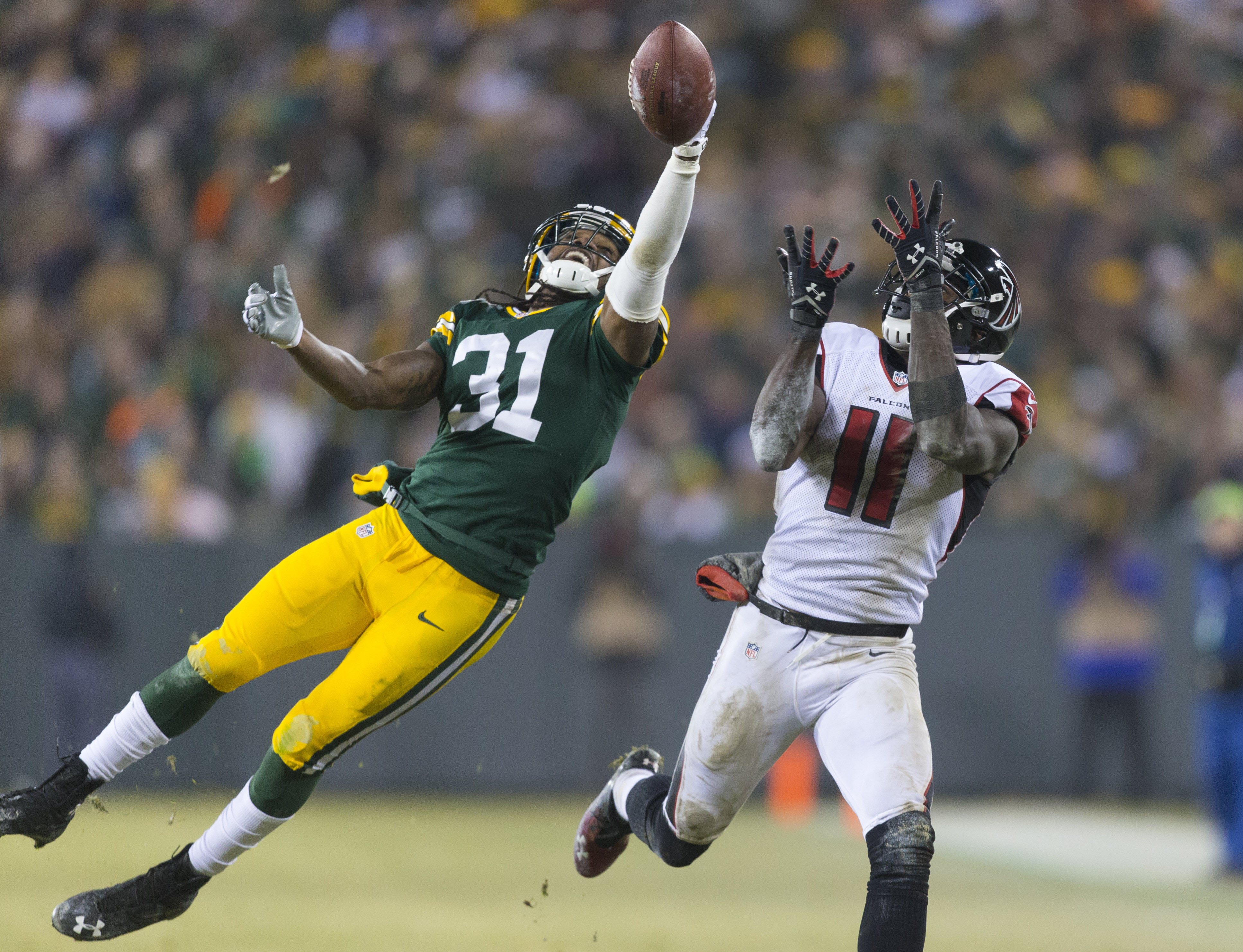 8259855-nfl-atlanta-falcons-at-green-bay-packers