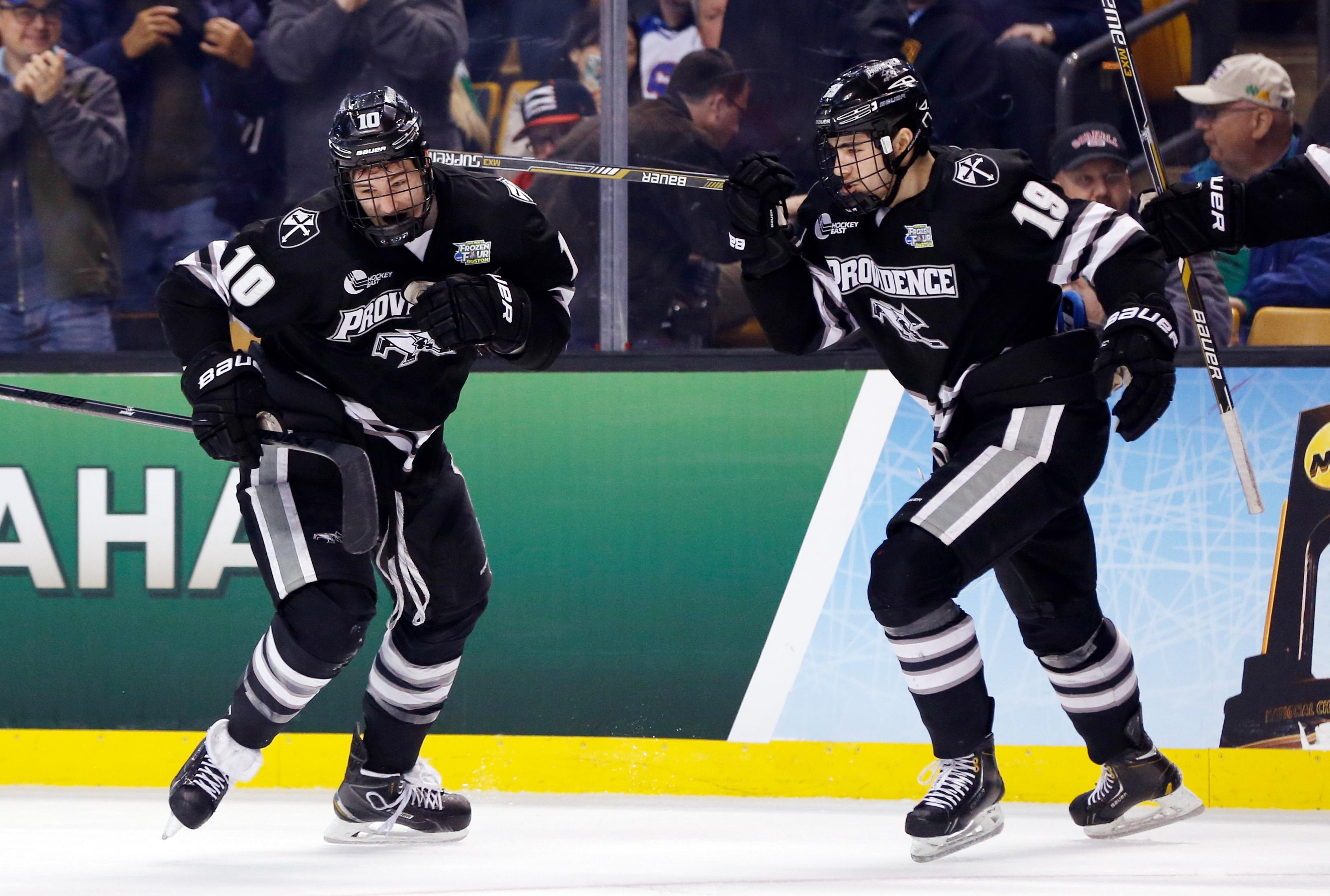 8509852-ncaa-hockey-frozen-four-omaha-vs-providence