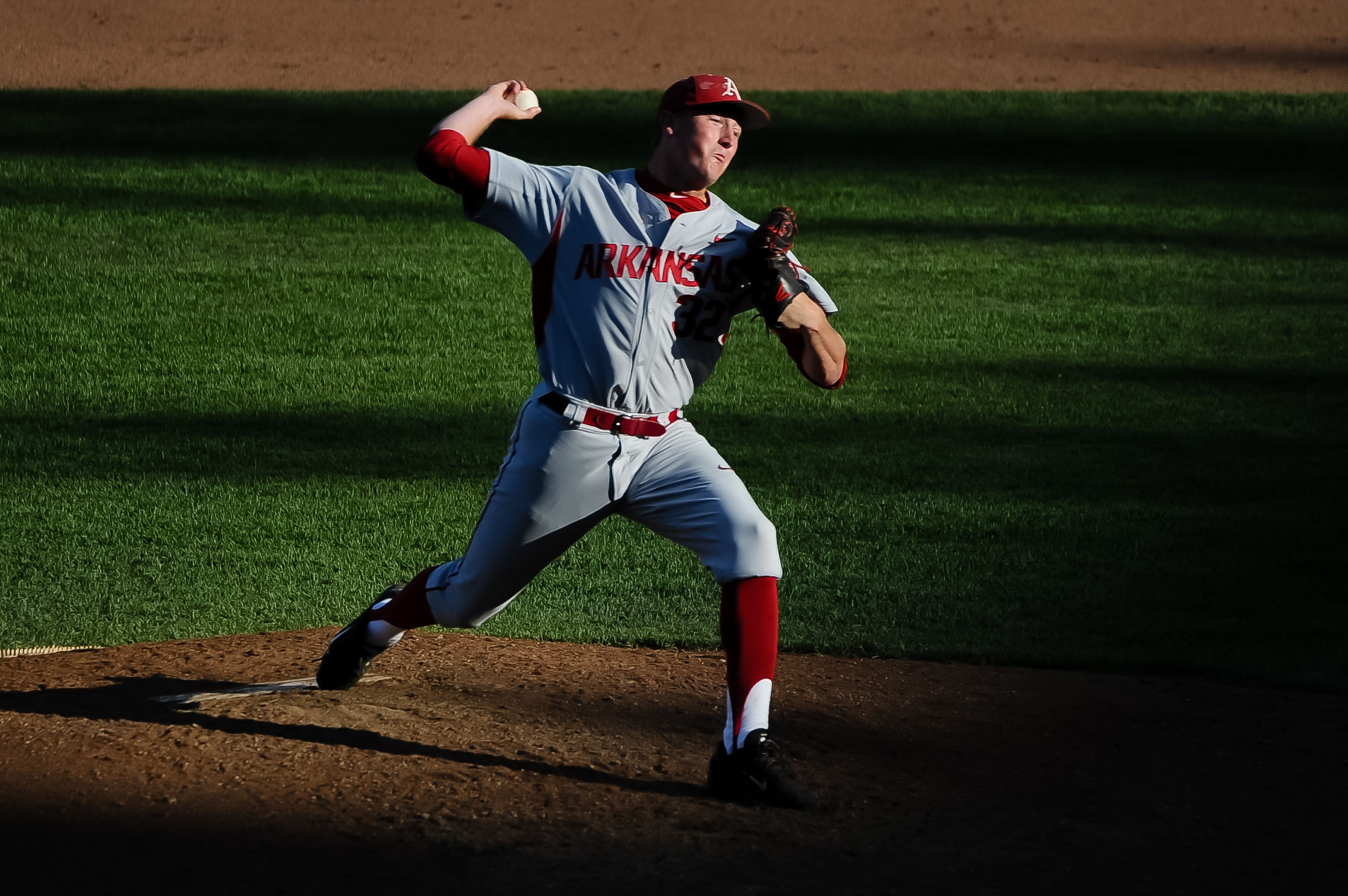 8629862-ncaa-baseball-college-world-series-arkansas-vs-miami