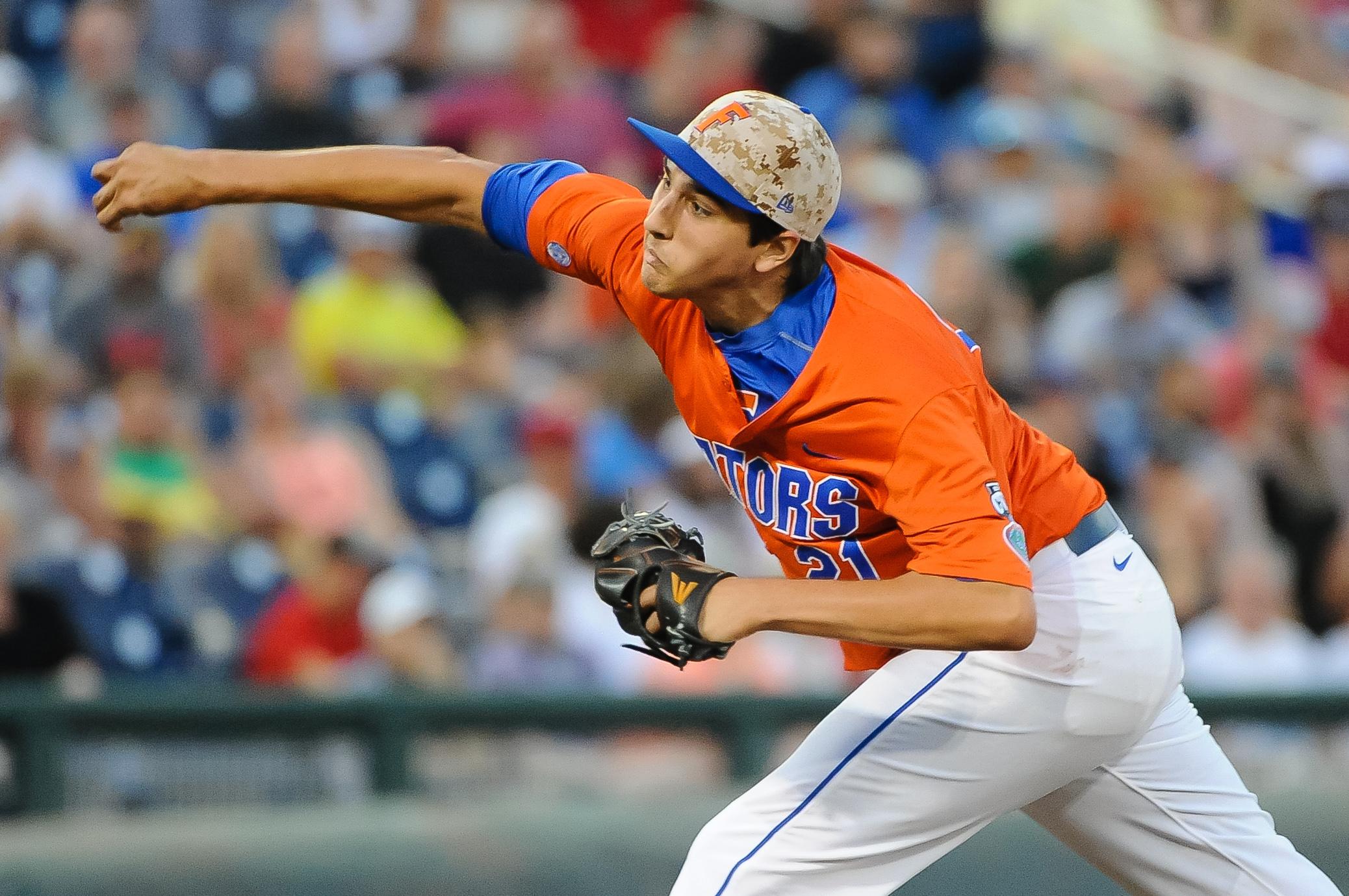 8642369-ncaa-baseball-college-world-series-florida-vs-miami-1