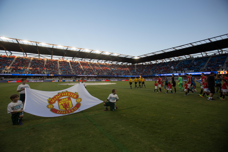 8711362-soccer-san-jose-earthquakes-vs-manchester-united-1
