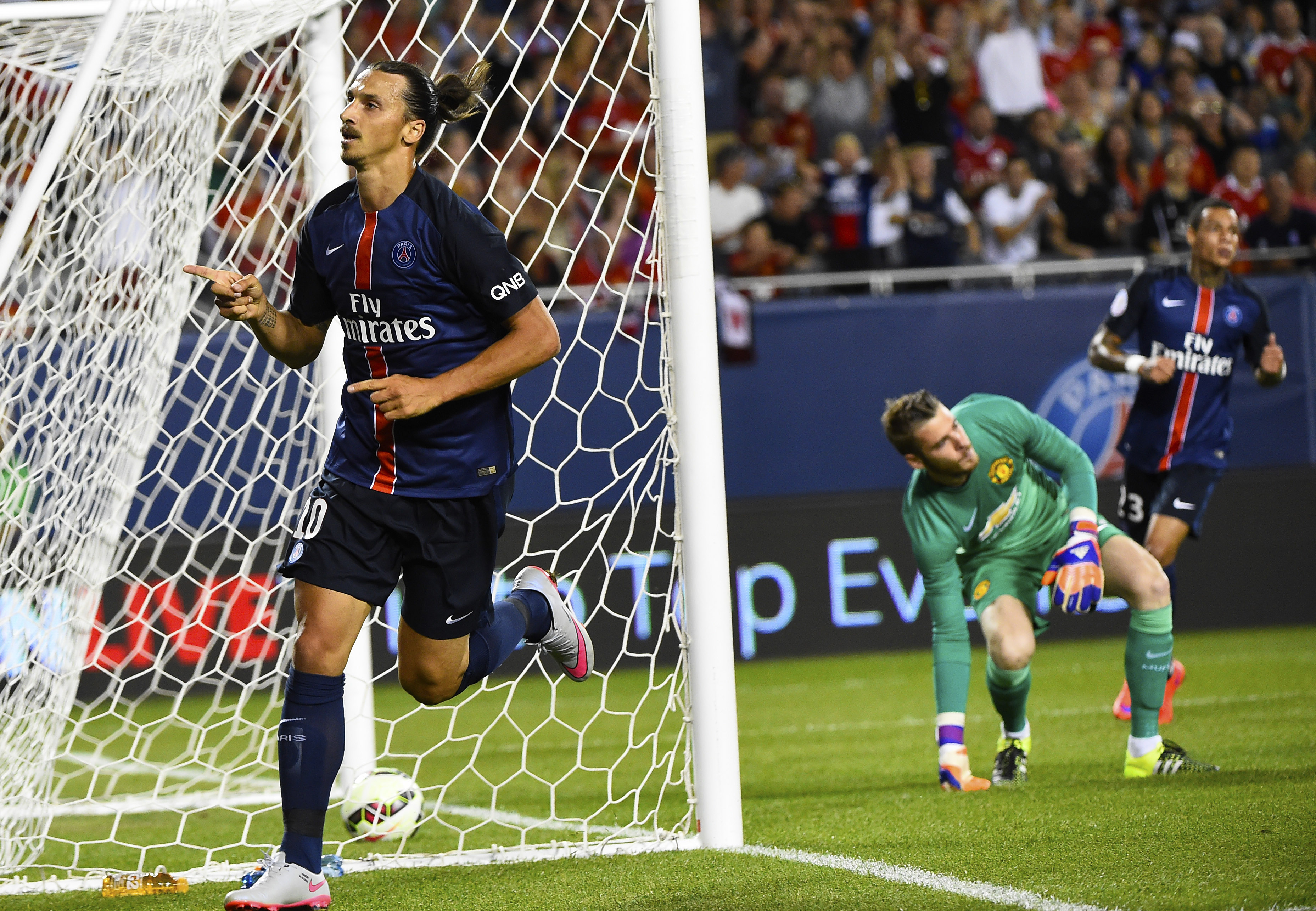 8723741-soccer-international-champions-cup-north-america-manchester-united-at-paris-saint-germaine