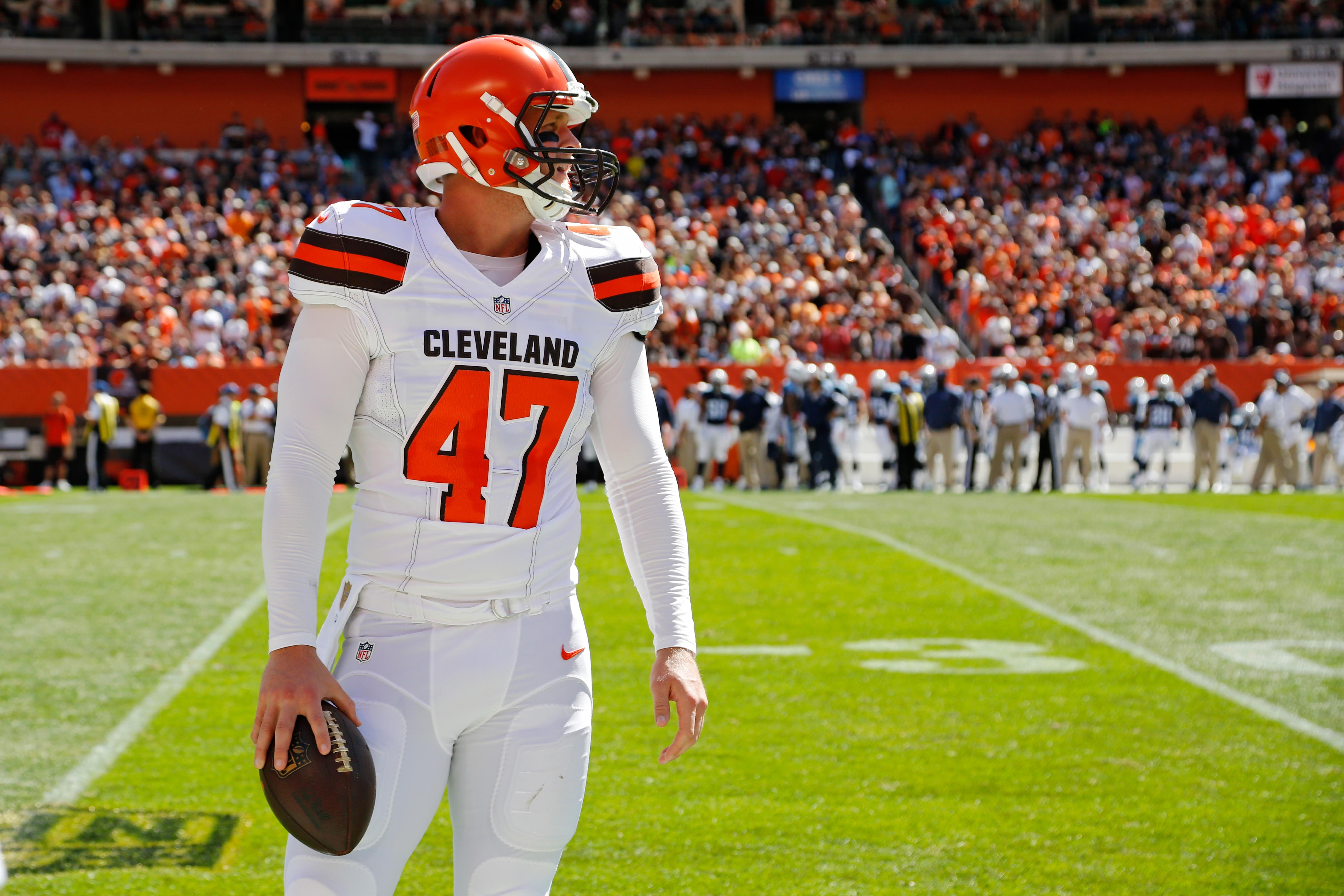 8834977-nfl-tennessee-titans-at-cleveland-browns