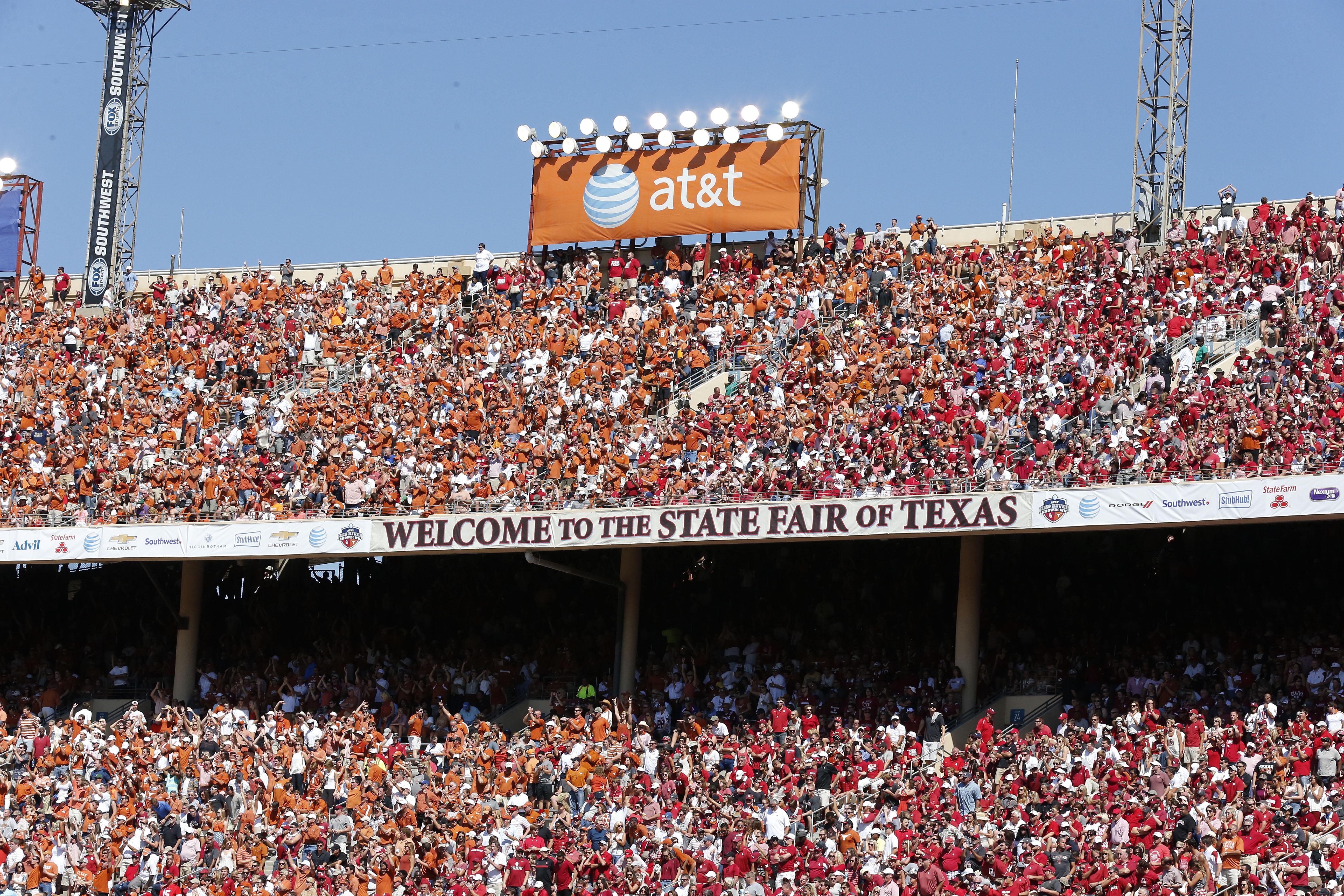 8851639-ncaa-football-oklahoma-at-texas