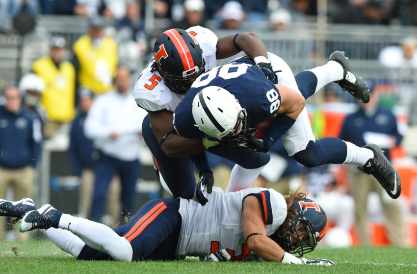 Illinois Football: James Crawford is a chameleon on the ...