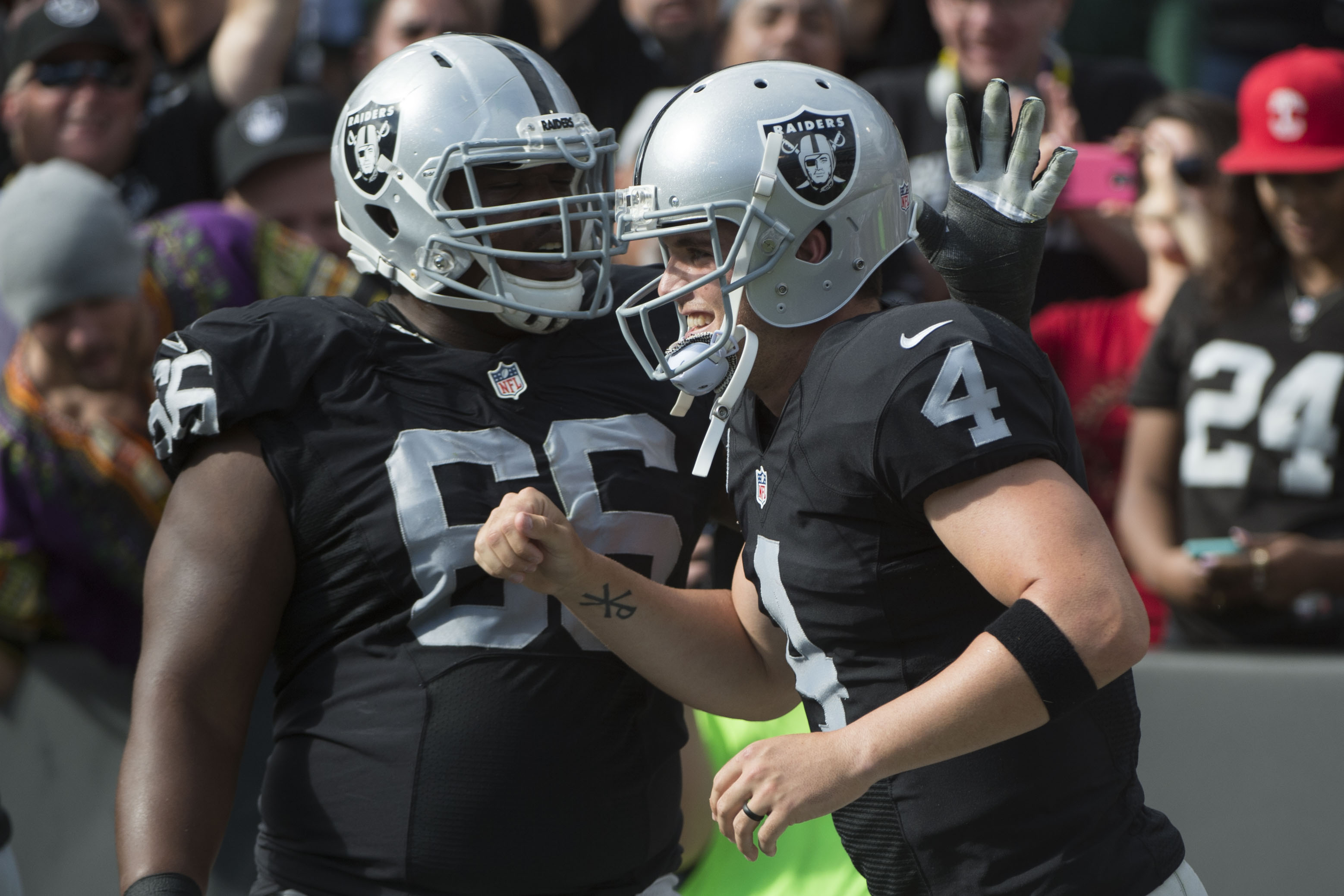 8897737-nfl-new-york-jets-at-oakland-raiders