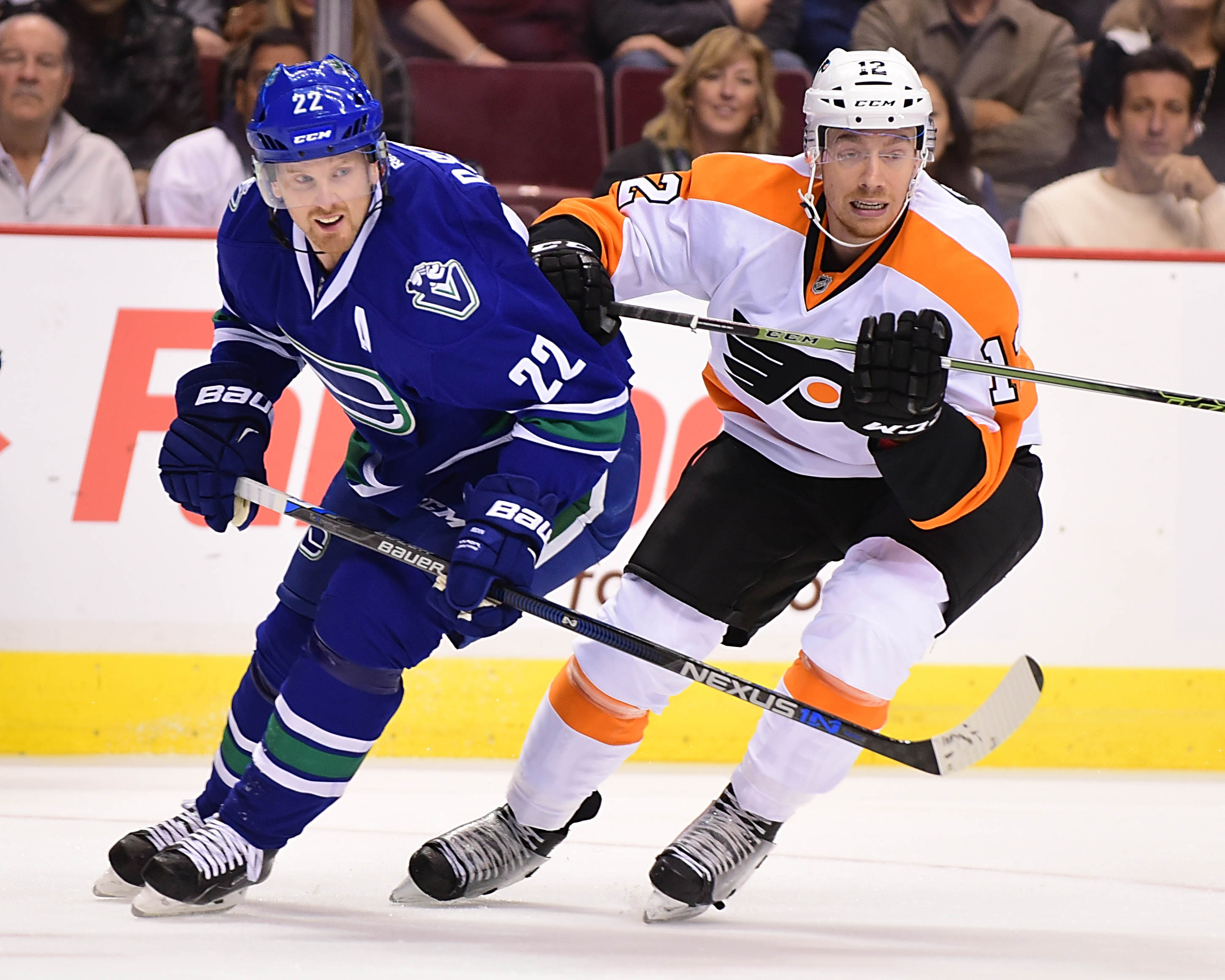 8900370-nhl-philadelphia-flyers-at-vancouver-canucks
