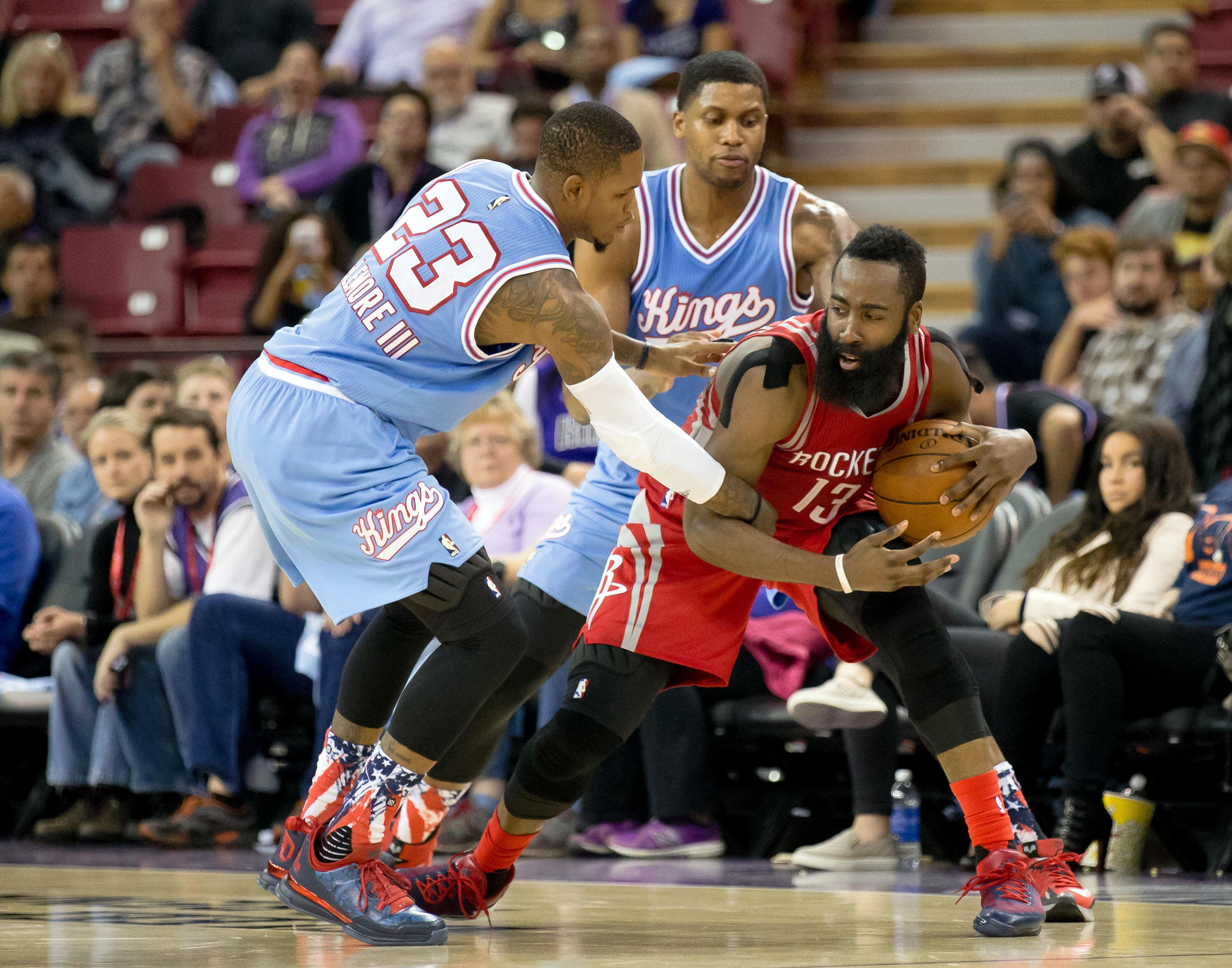 8907638-nba-houston-rockets-at-sacramento-kings