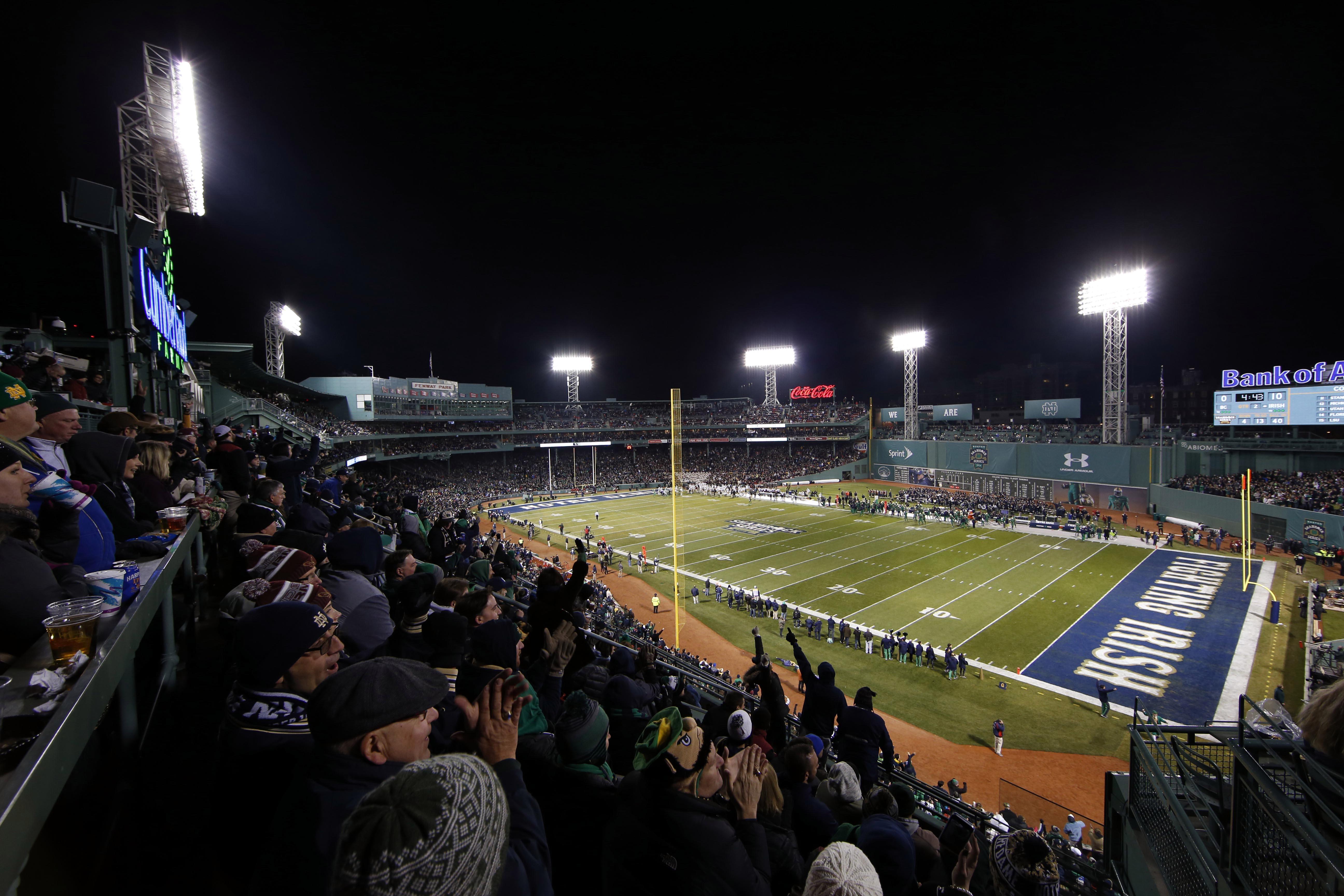 8942409-ncaa-football-notre-dame-vs-boston-college