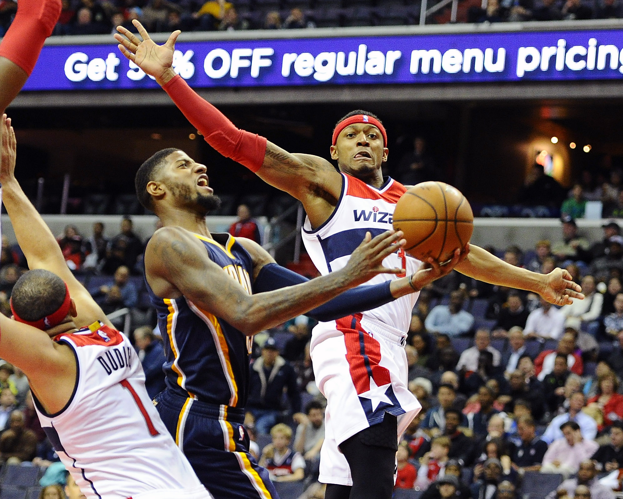 8949696-nba-indiana-pacers-at-washington-wizards