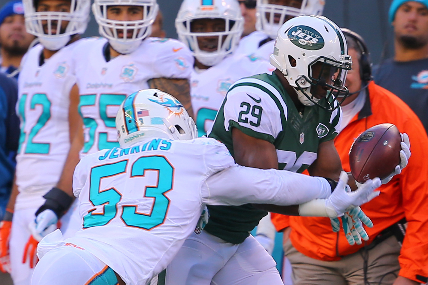 8961856-nfl-miami-dolphins-at-new-york-jets