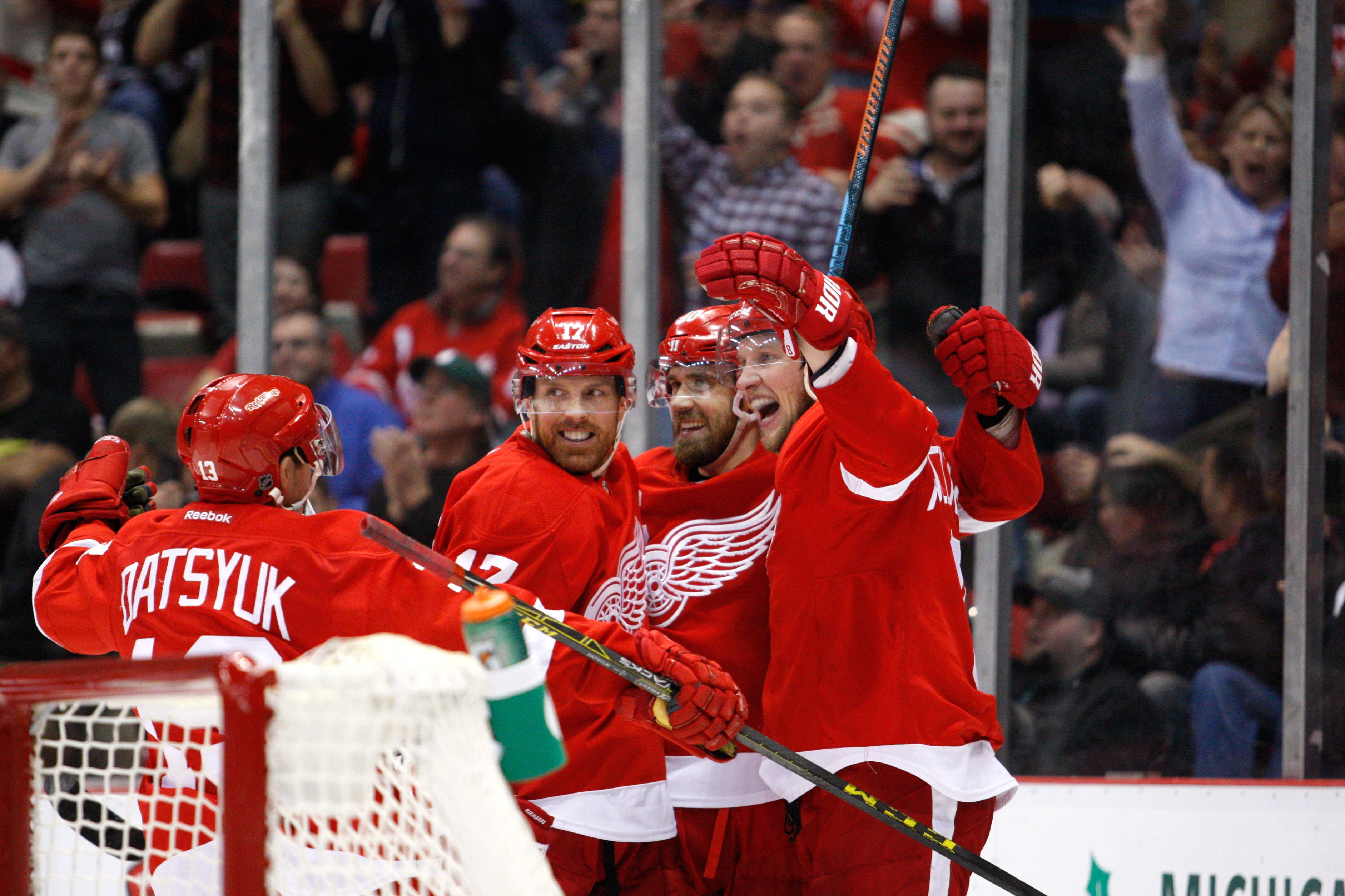 8989048-nhl-montreal-canadiens-at-detroit-red-wings