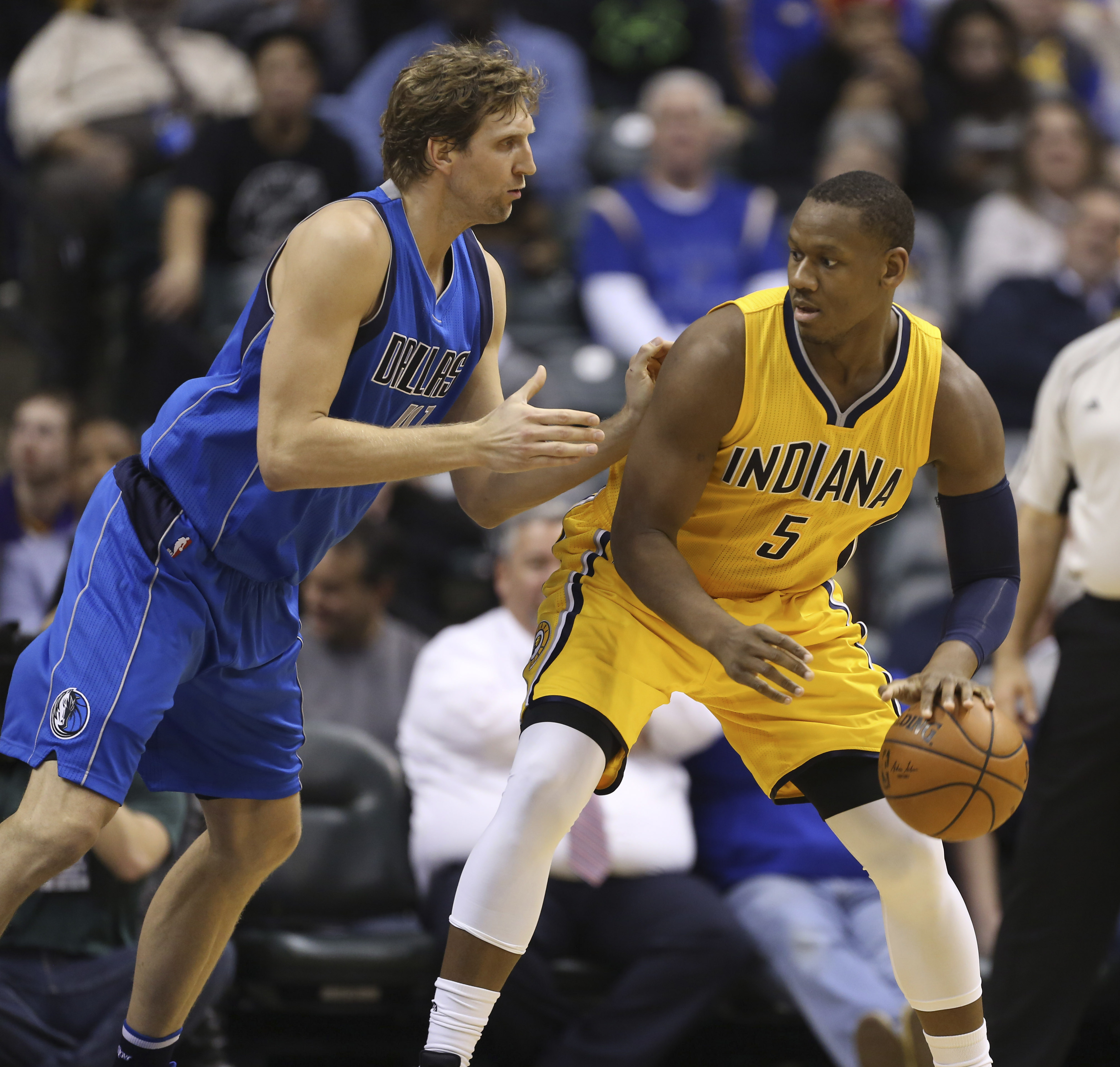 9000635-nba-dallas-mavericks-at-indiana-pacers
