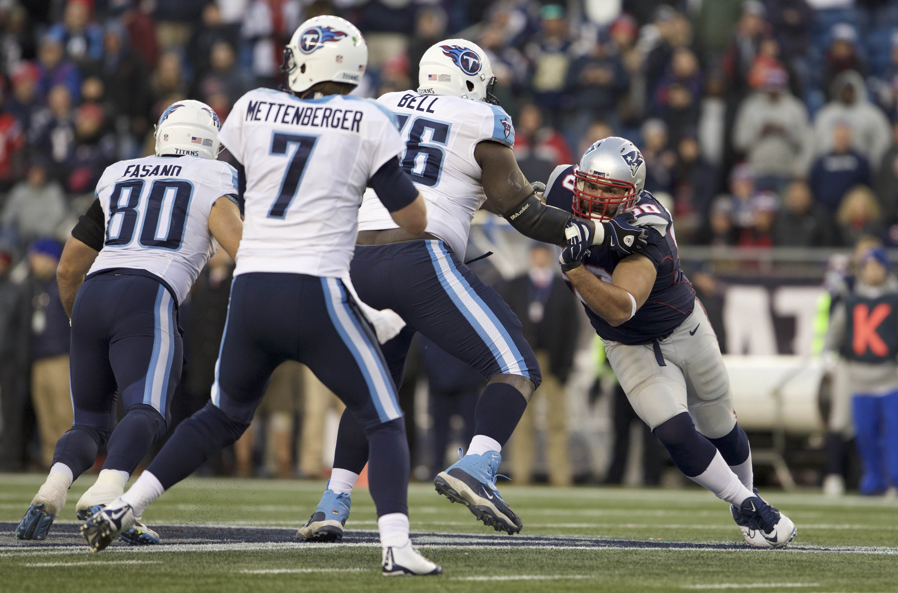 9007491-nfl-tennessee-titans-at-new-england-patriots