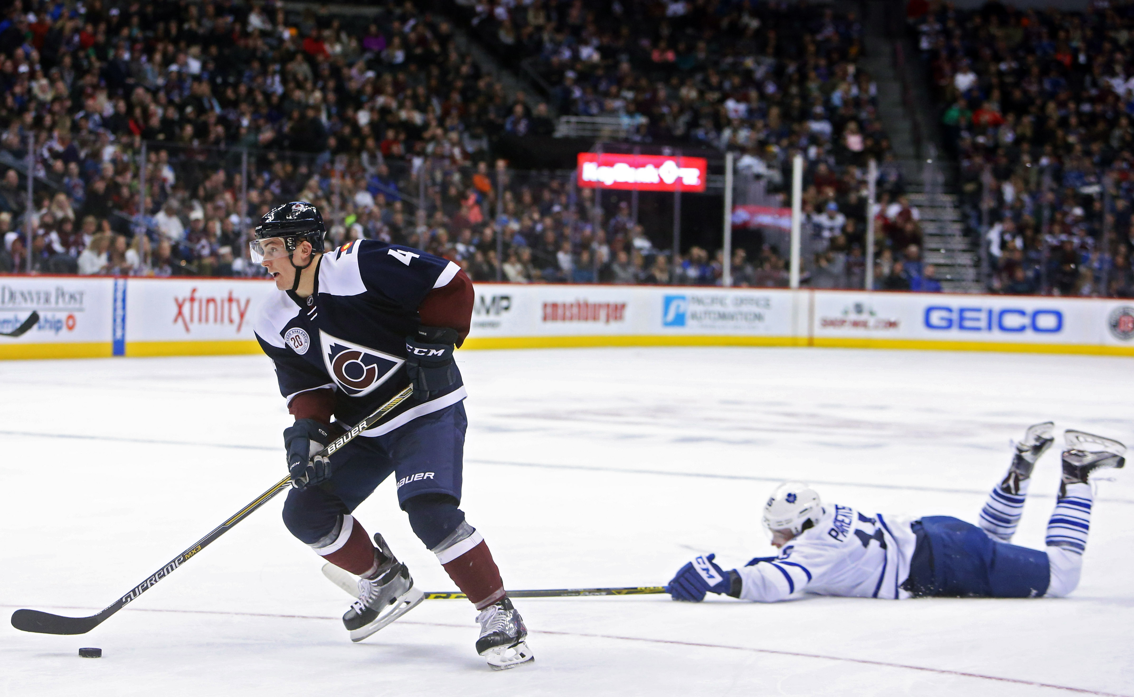 9011156-nhl-toronto-maple-leafs-at-colorado-avalanche