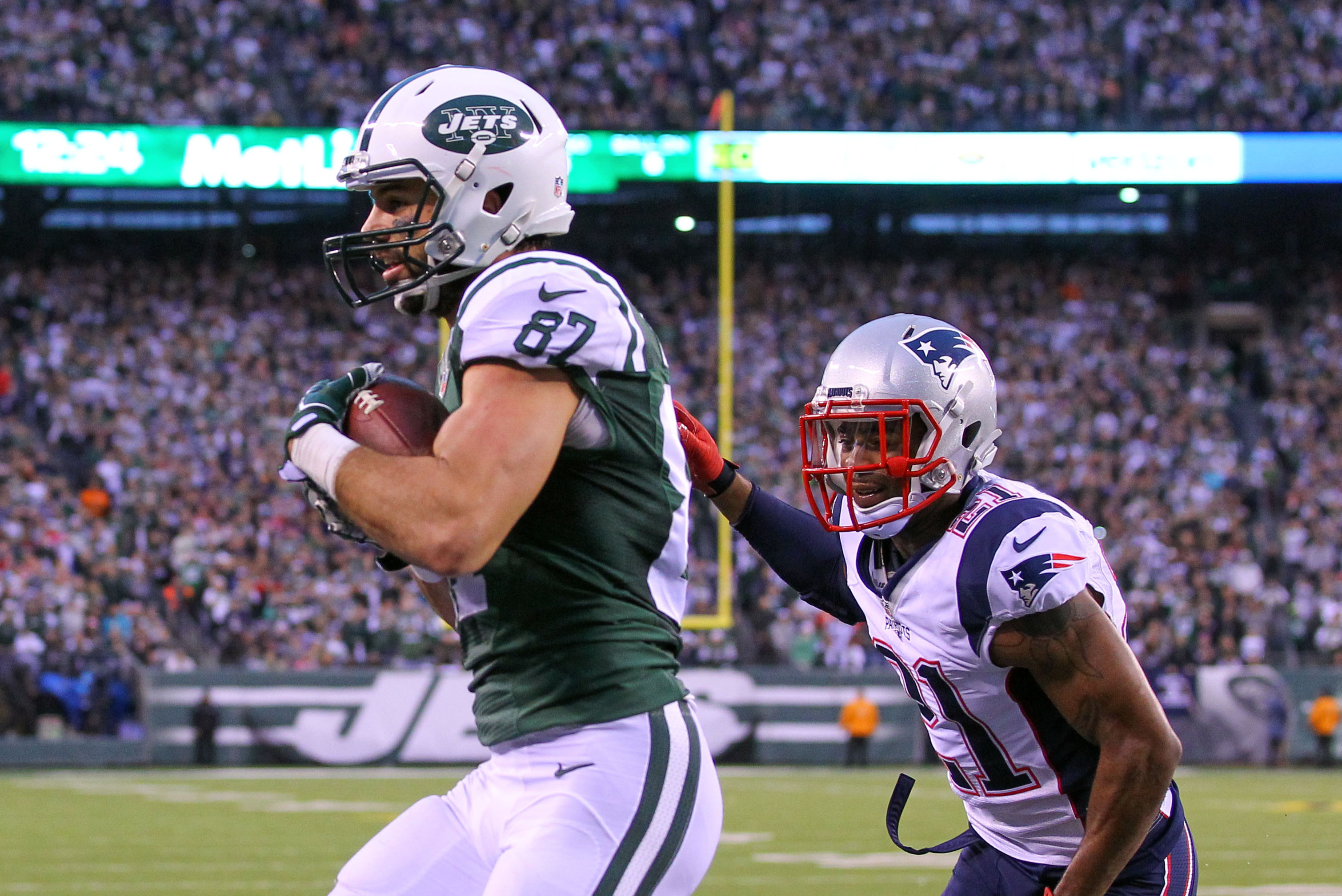 9020151-nfl-new-england-patriots-at-new-york-jets