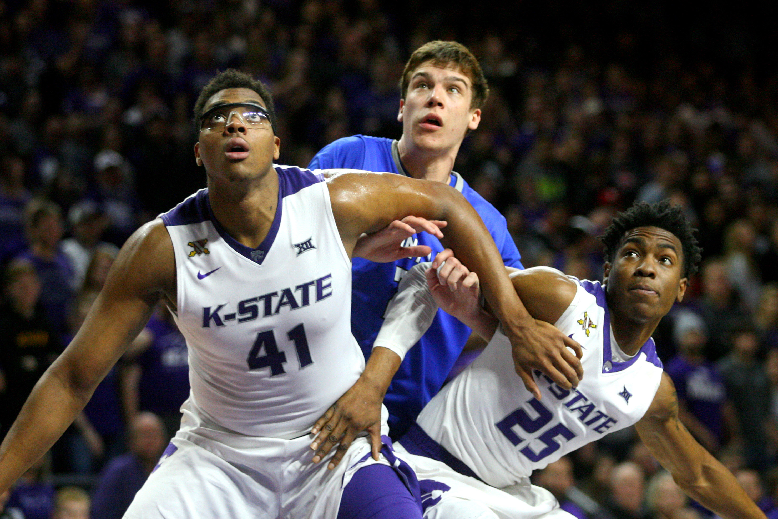 9024947-ncaa-basketball-saint-louis-at-kansas-state