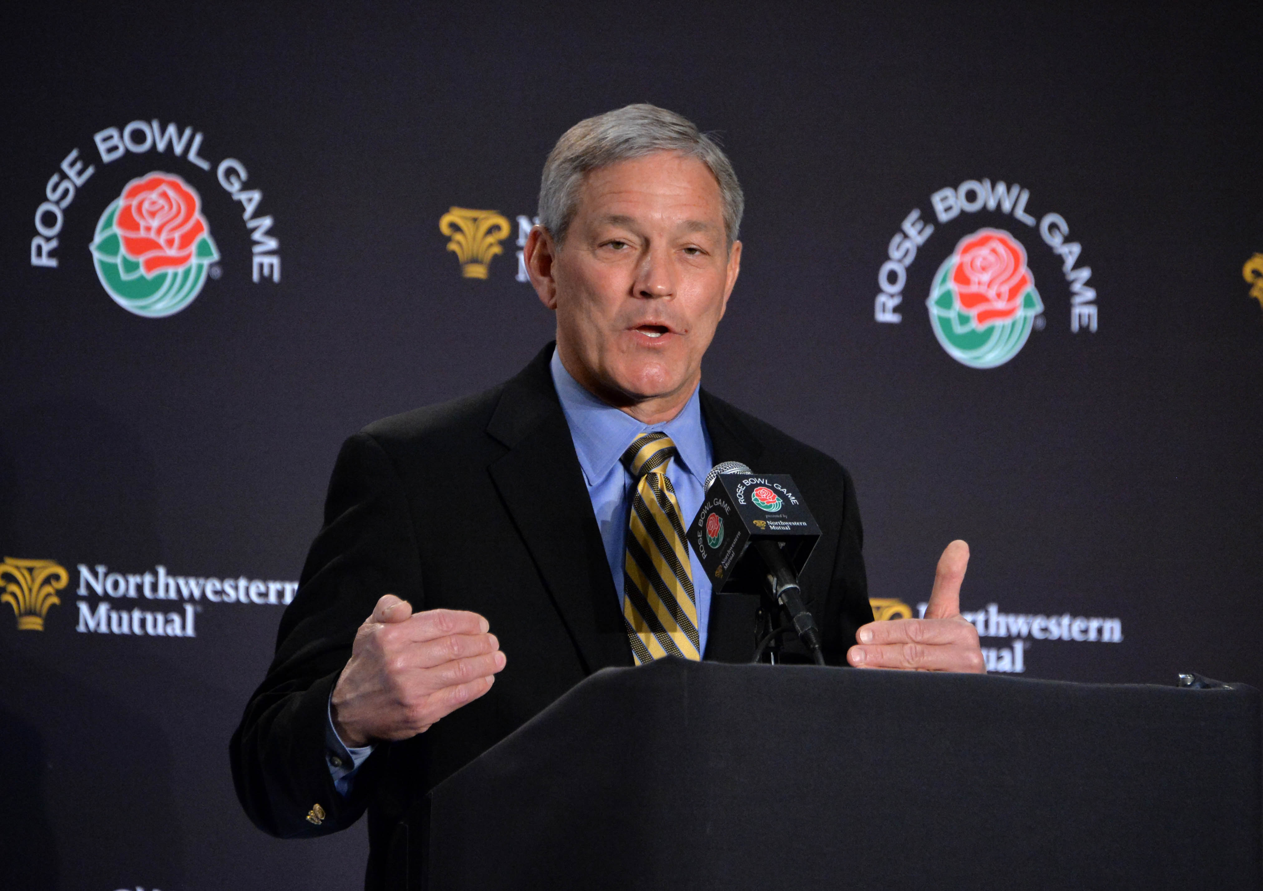 9027408-ncaa-football-rose-bowl-head-coaches-press-conference