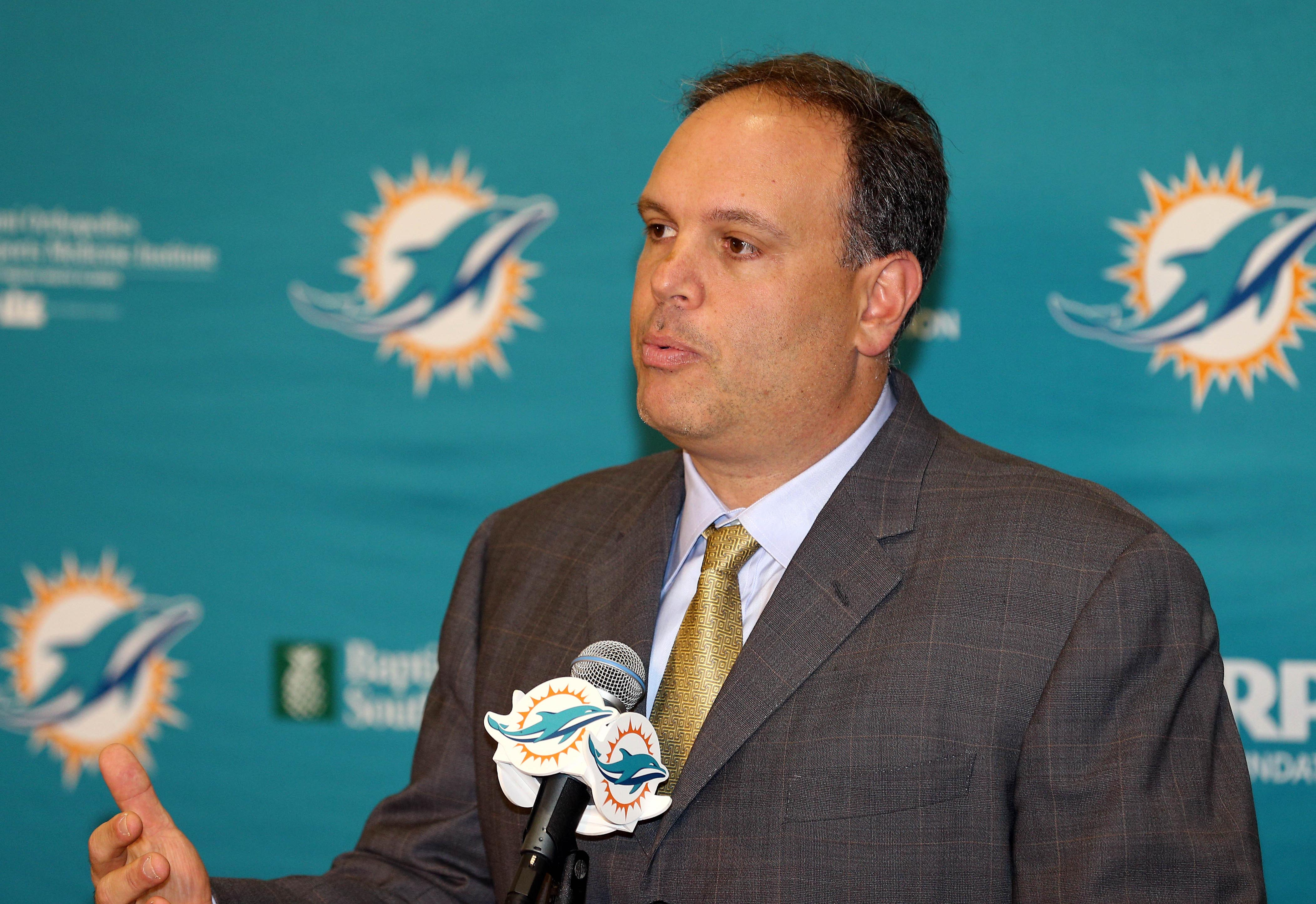 9046168-nfl-miami-dolphins-press-conference