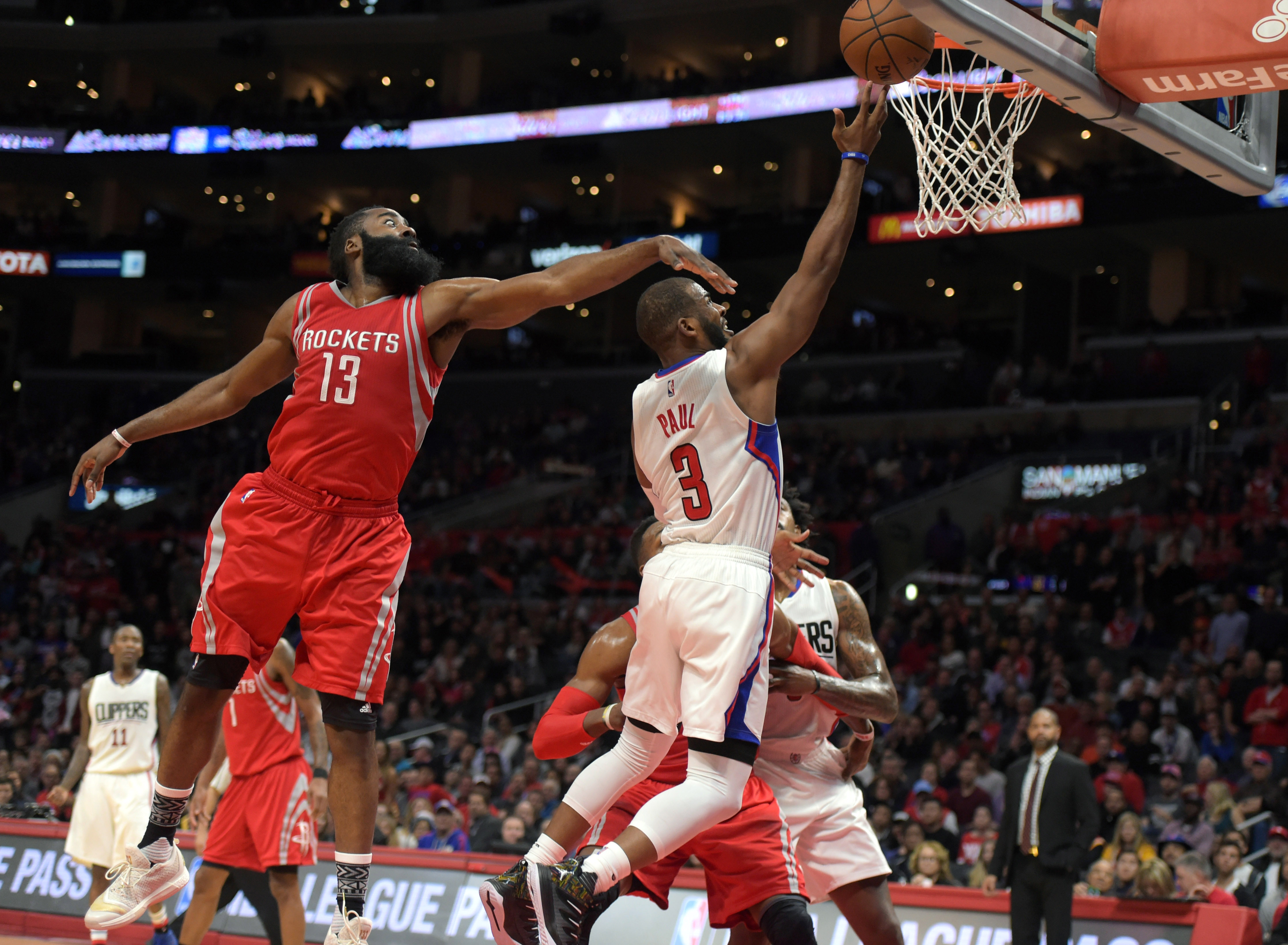 9065905-nba-houston-rockets-at-los-angeles-clippers