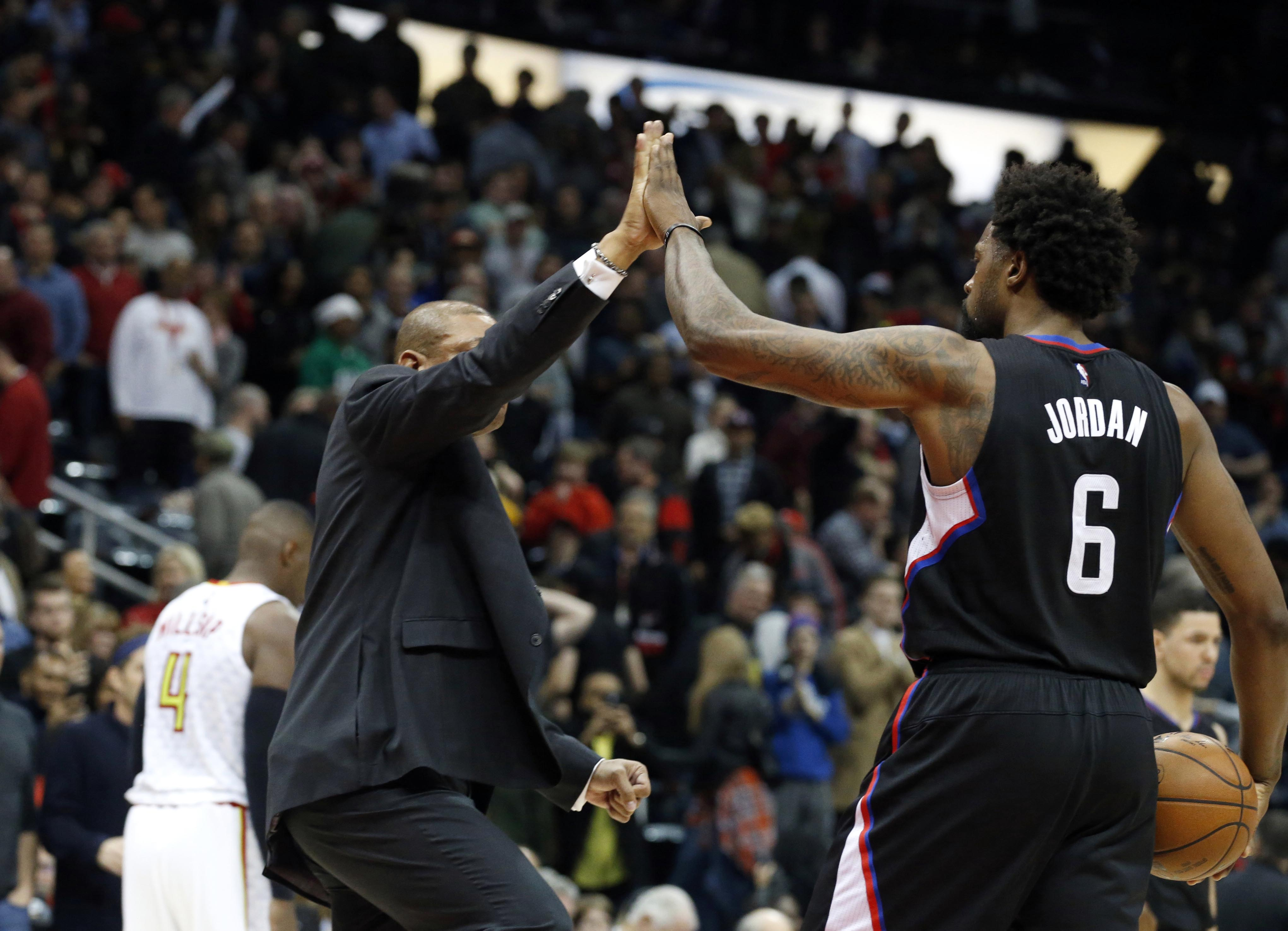 9080150-nba-los-angeles-clippers-at-atlanta-hawks