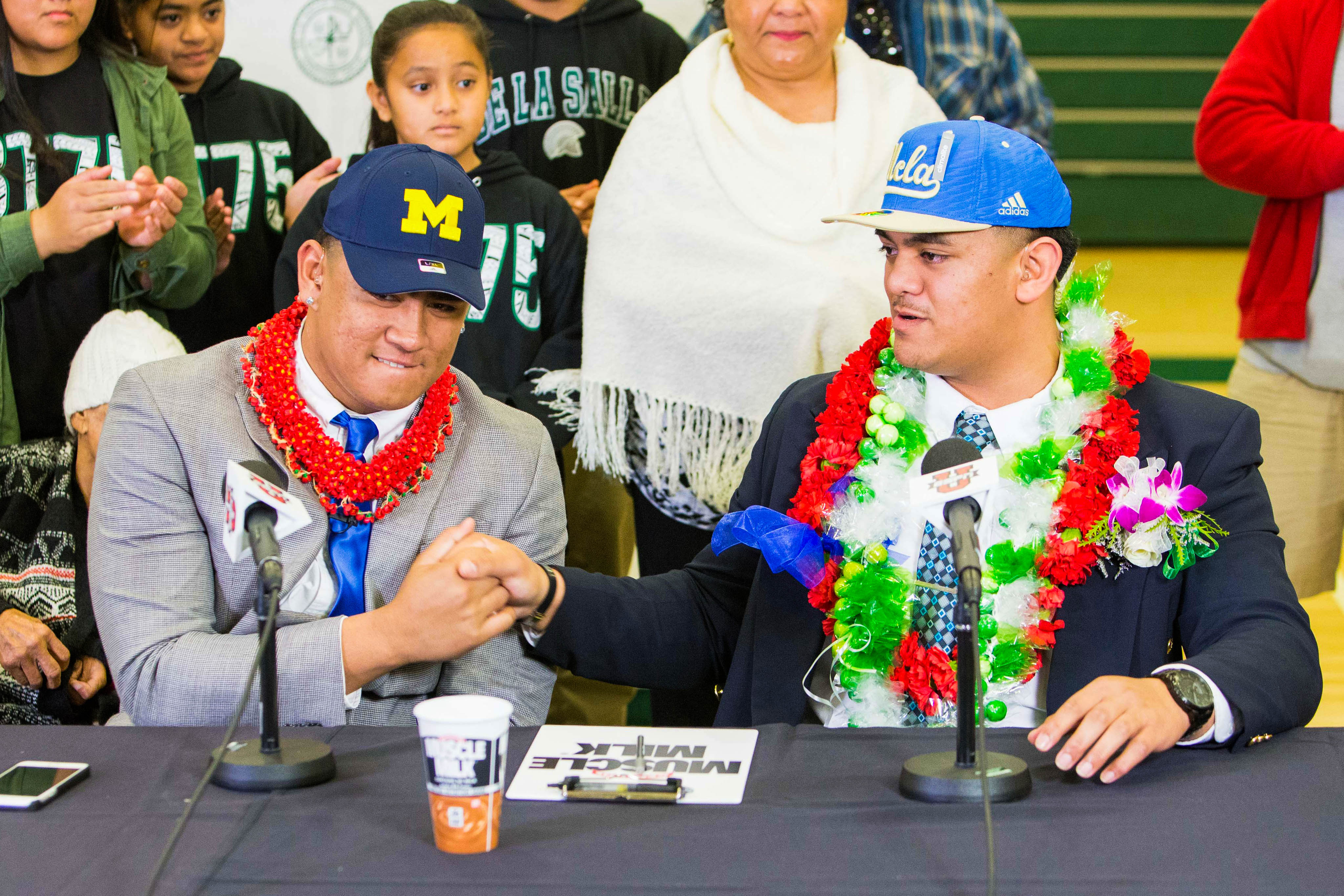 9093814-high-school-football-national-signing-day-devin-asiasi-ampamp-boss-tagaloa