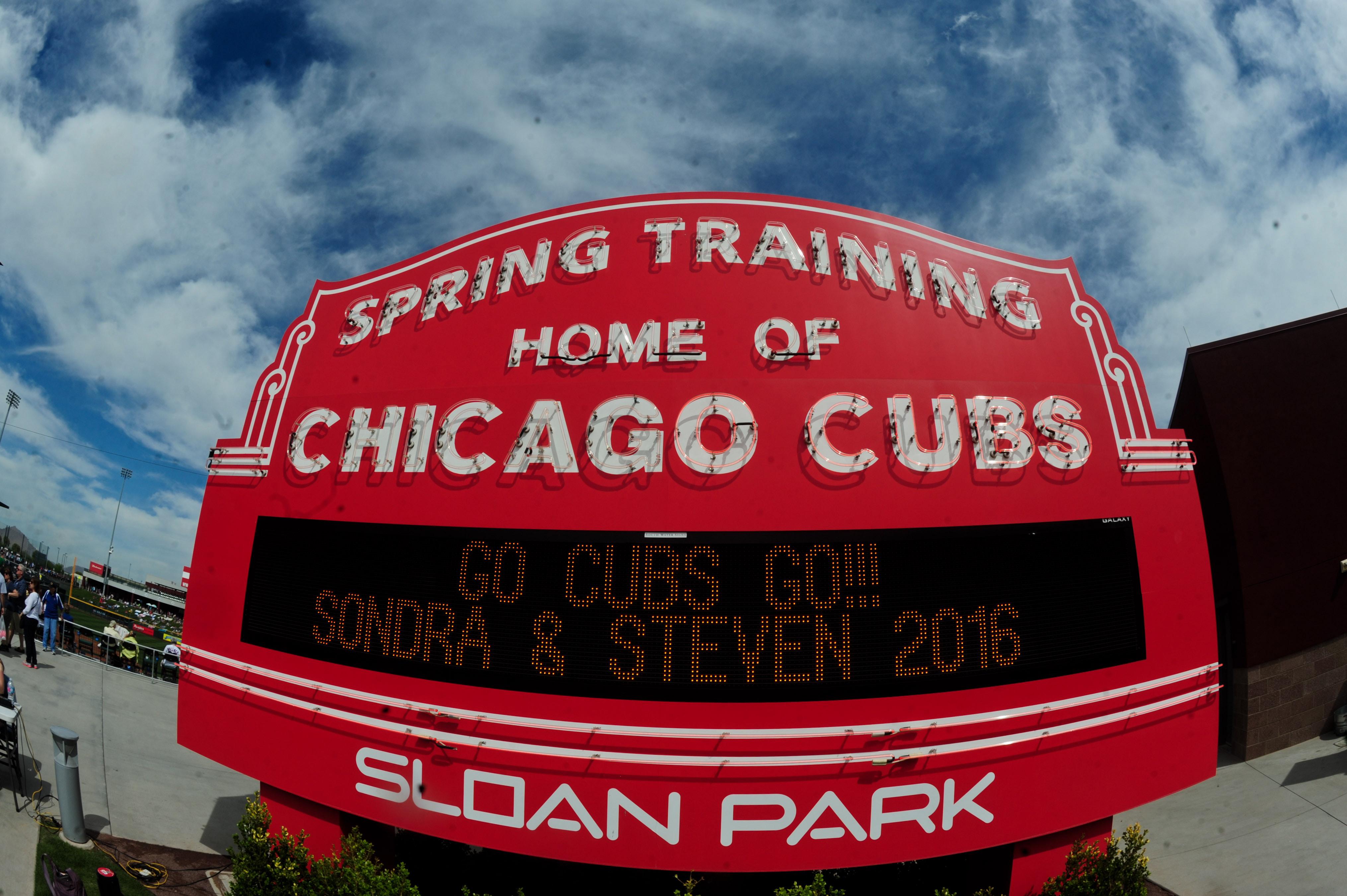 9159399-mlb-spring-training-cincinnati-reds-at-chicago-cubs