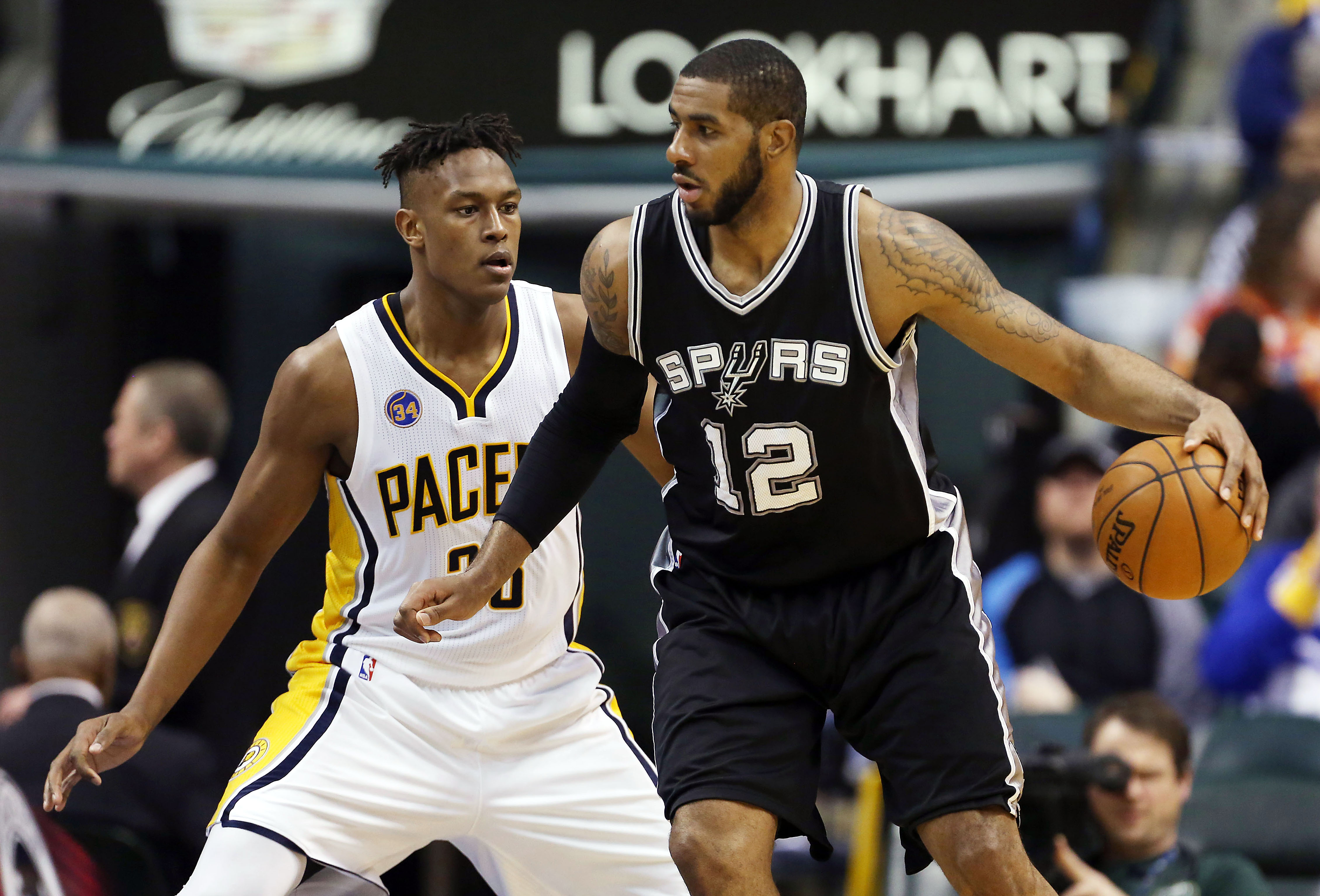 9166677-nba-san-antonio-spurs-at-indiana-pacers