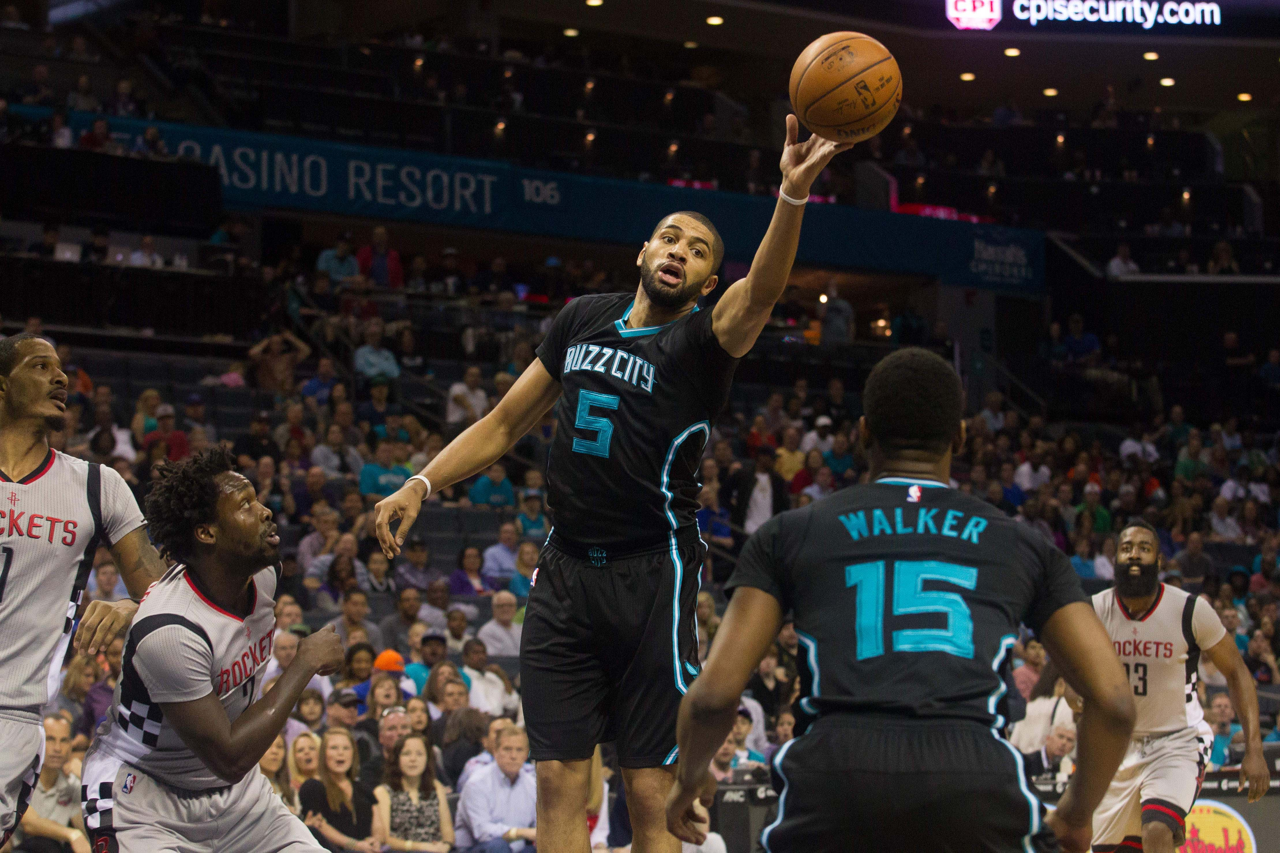 9179179-nba-houston-rockets-at-charlotte-hornets