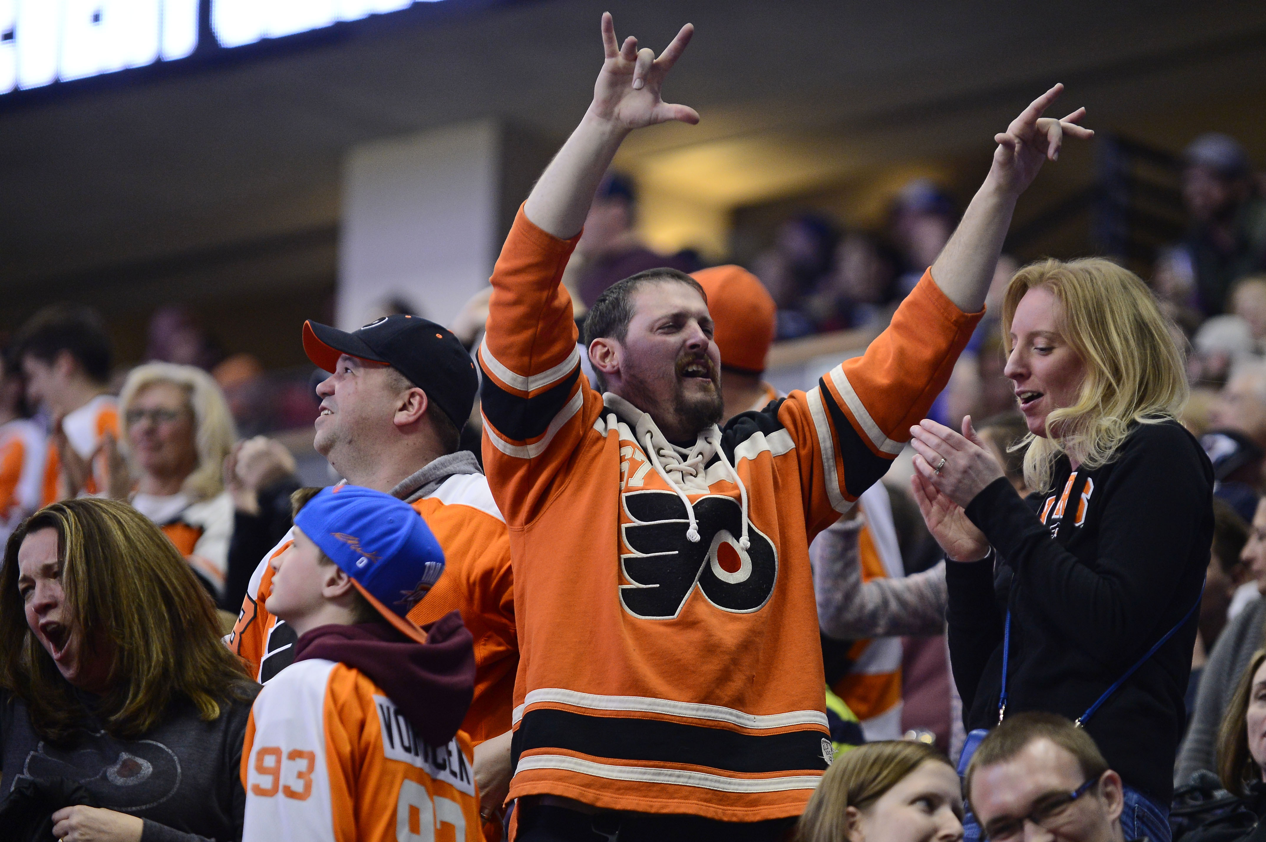 9210155-nhl-philadelphia-flyers-at-colorado-avalanche