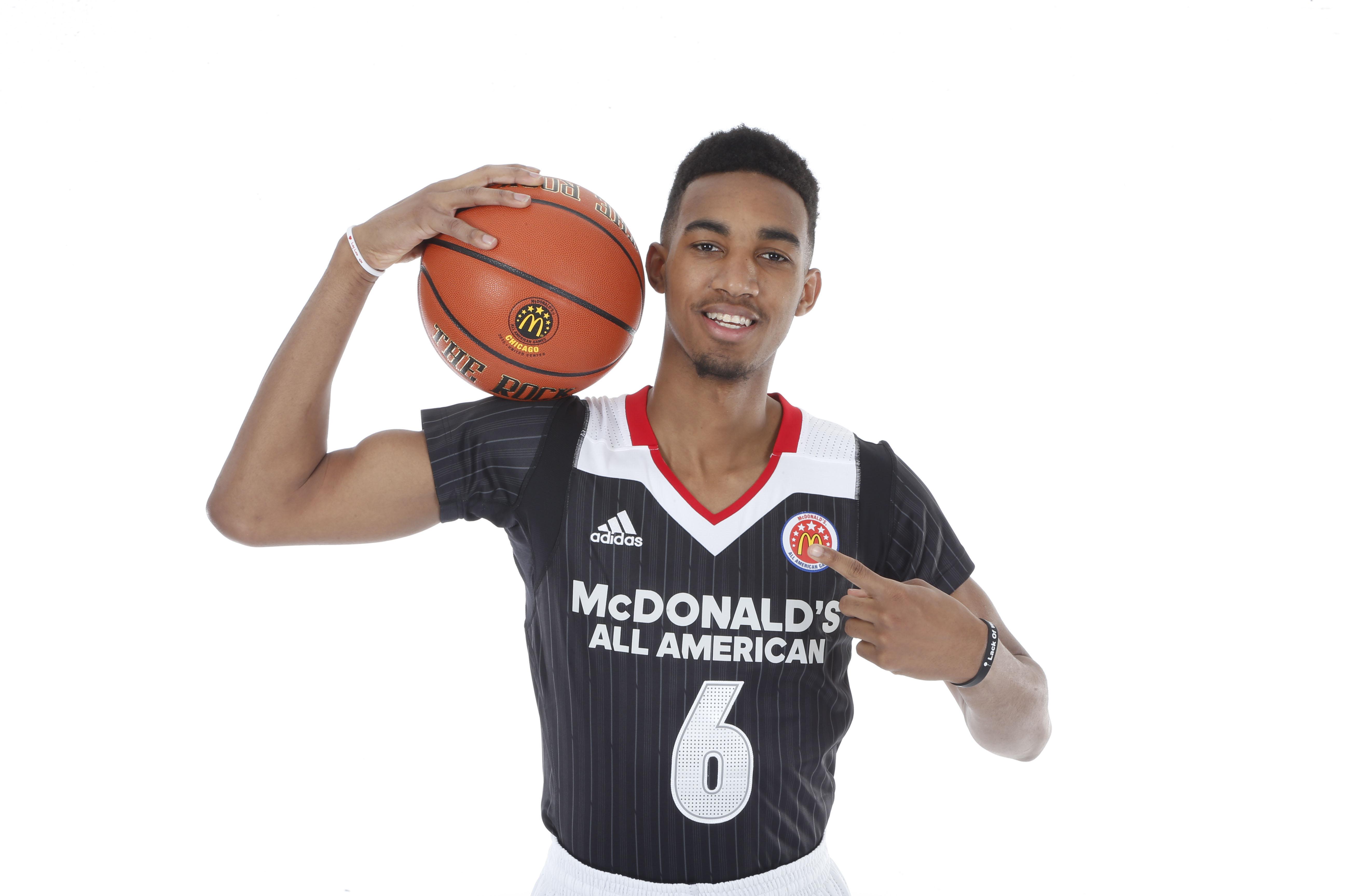 9213788-high-school-basketball-mcdonalds-all-american-portraits