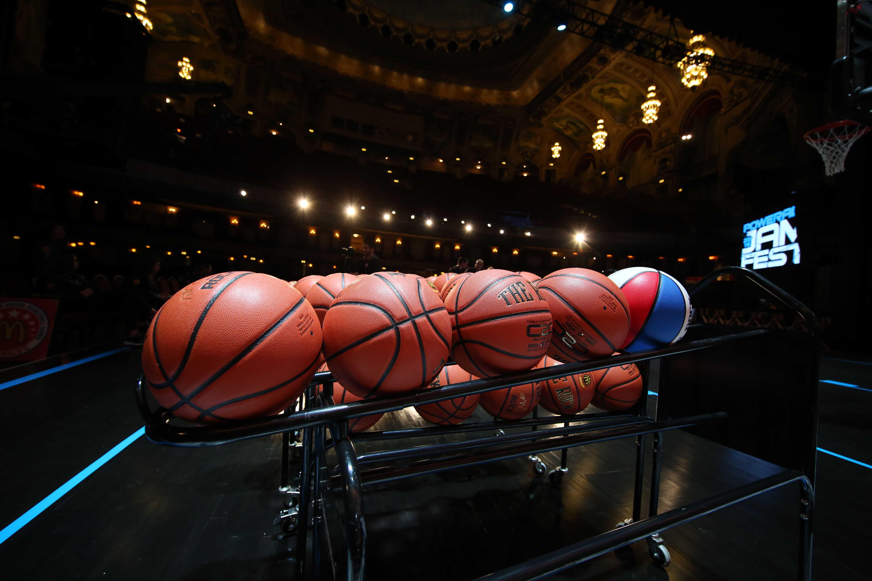 9216082-high-school-basketball-mcdonalds-all-american-jamfest
