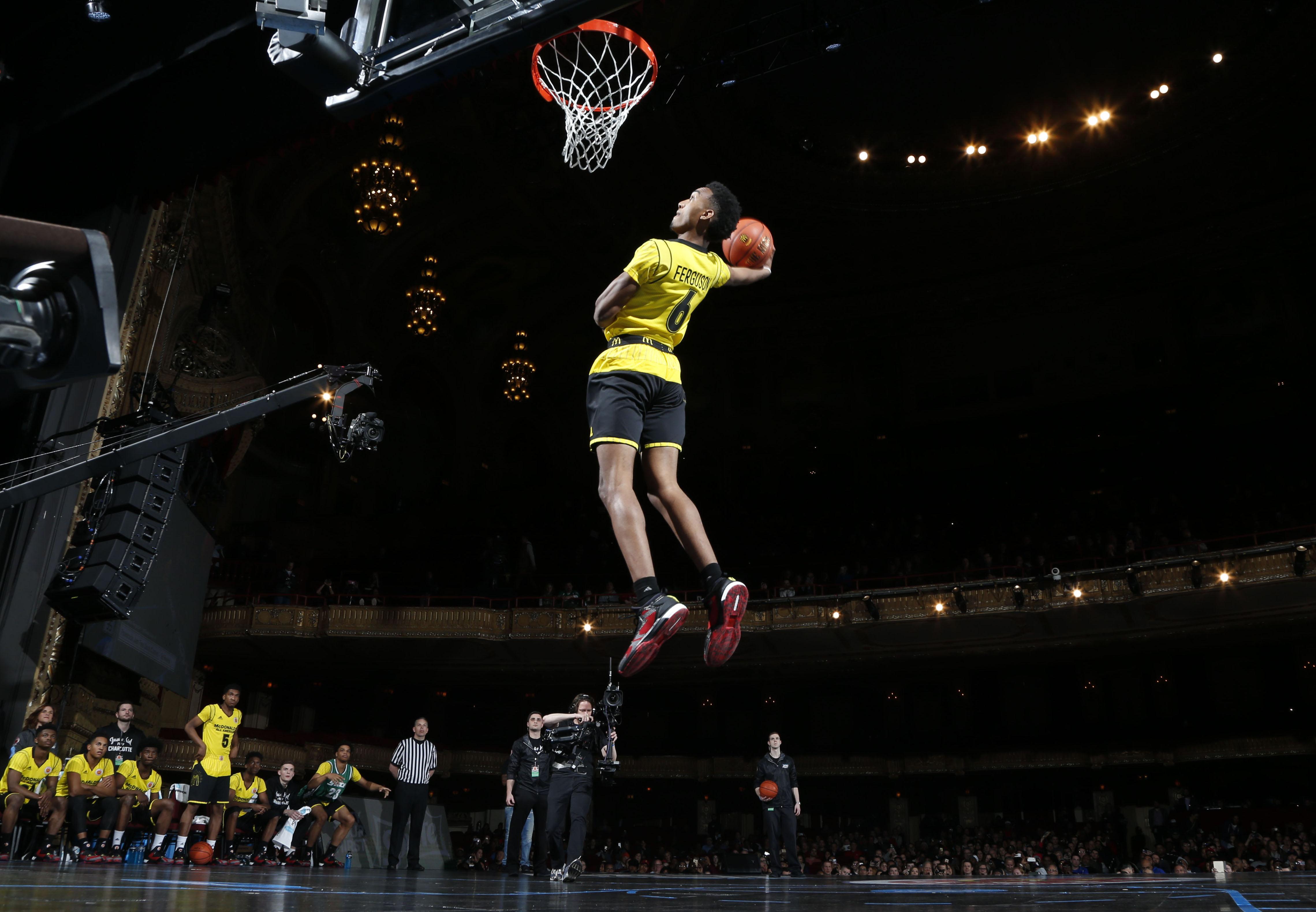 9216608-high-school-basketball-mcdonalds-all-american-jamfest