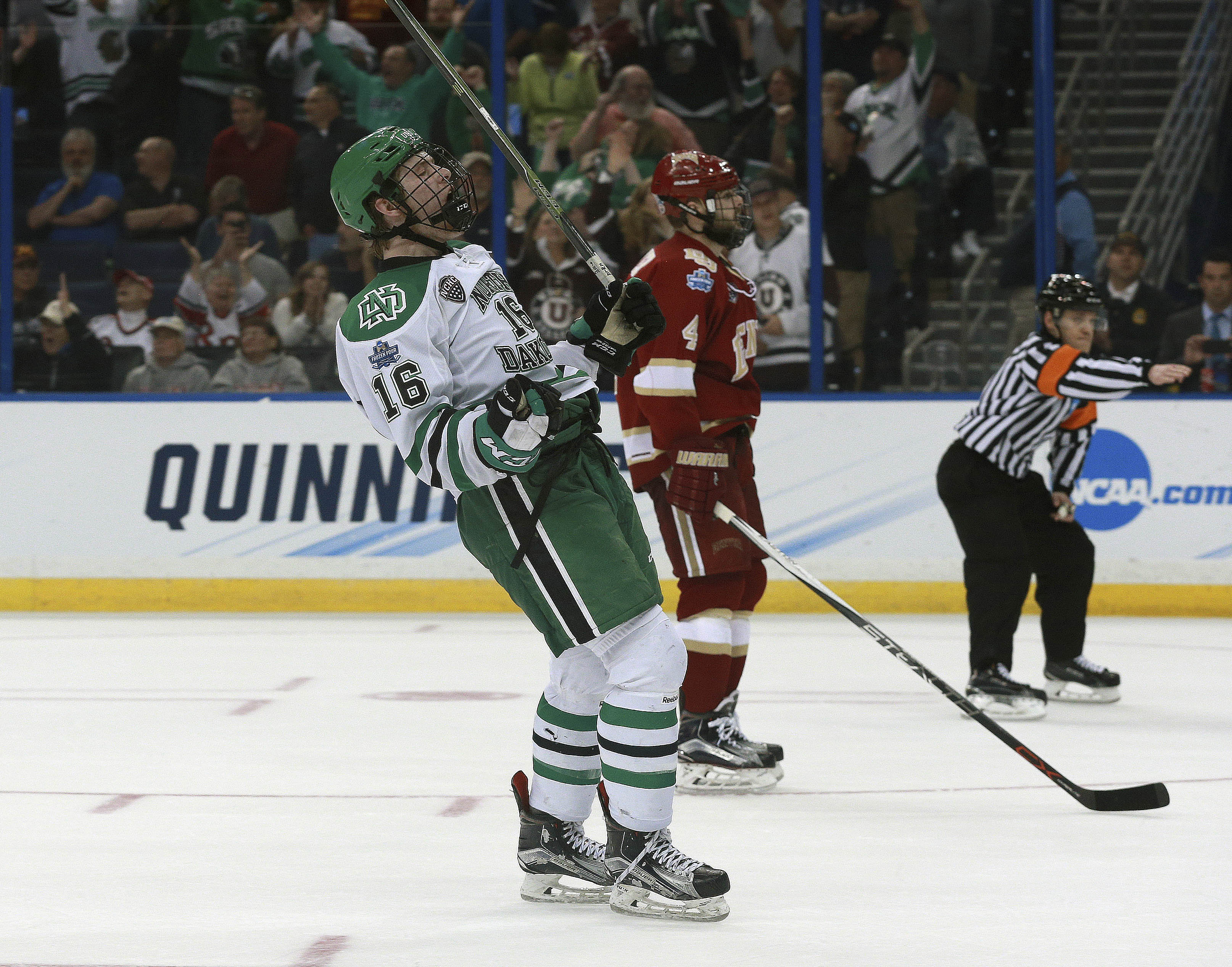 9236263-ncaa-hockey-frozen-four-denver-vs-north-dakota