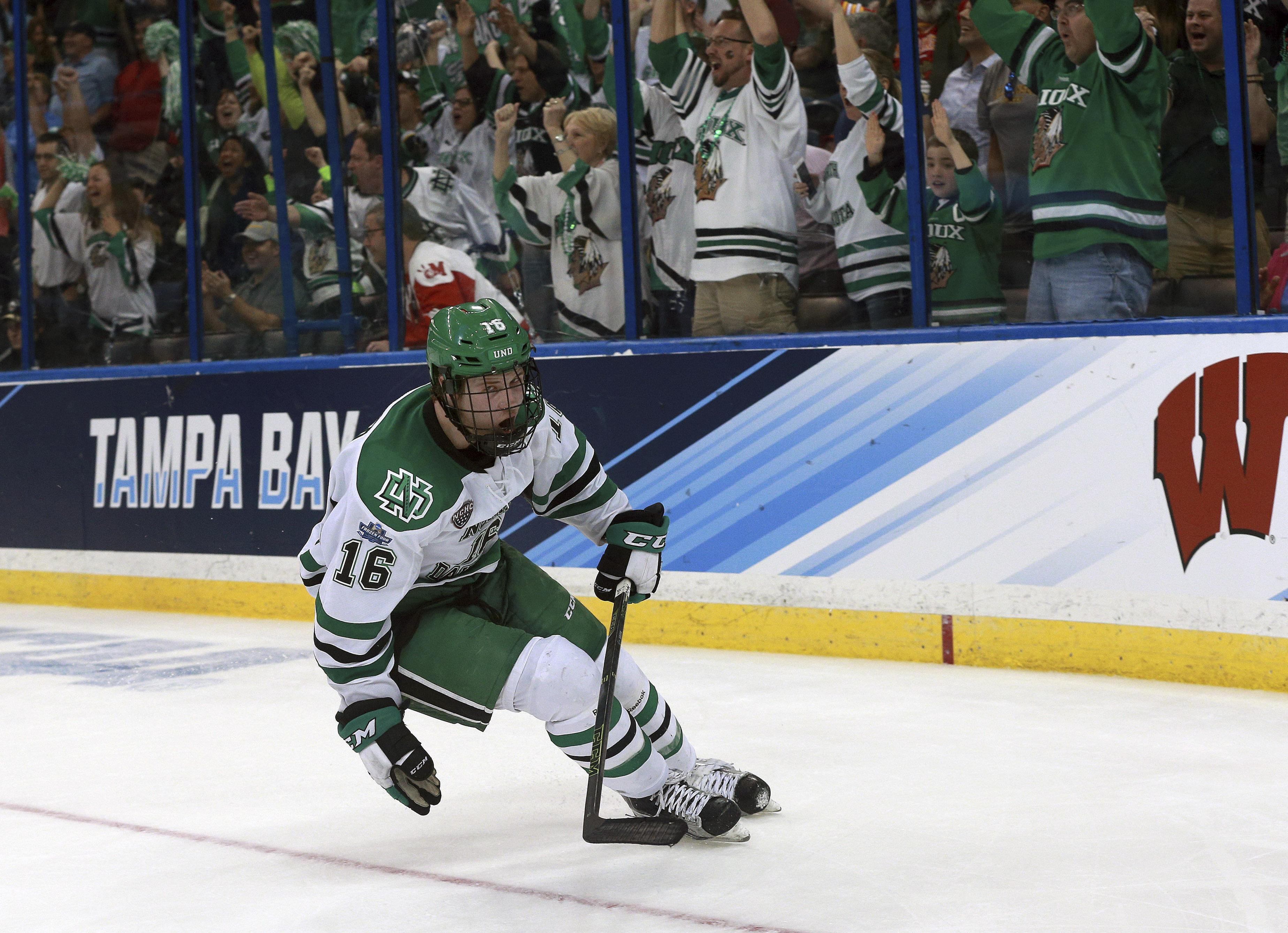 9236265-ncaa-hockey-frozen-four-denver-vs-north-dakota