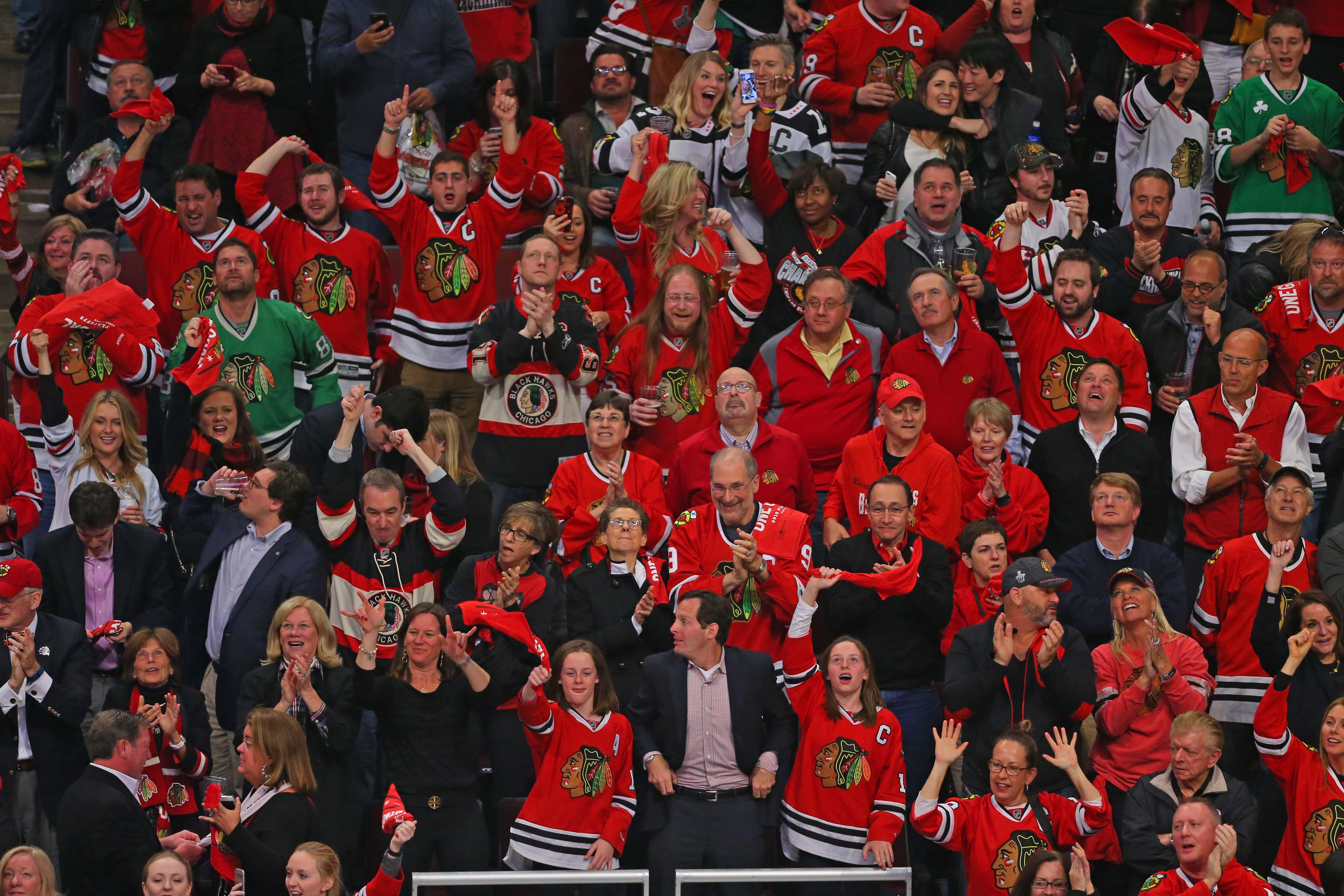 9266216-nhl-stanley-cup-playoffs-st.-louis-blues-at-chicago-blackhawks