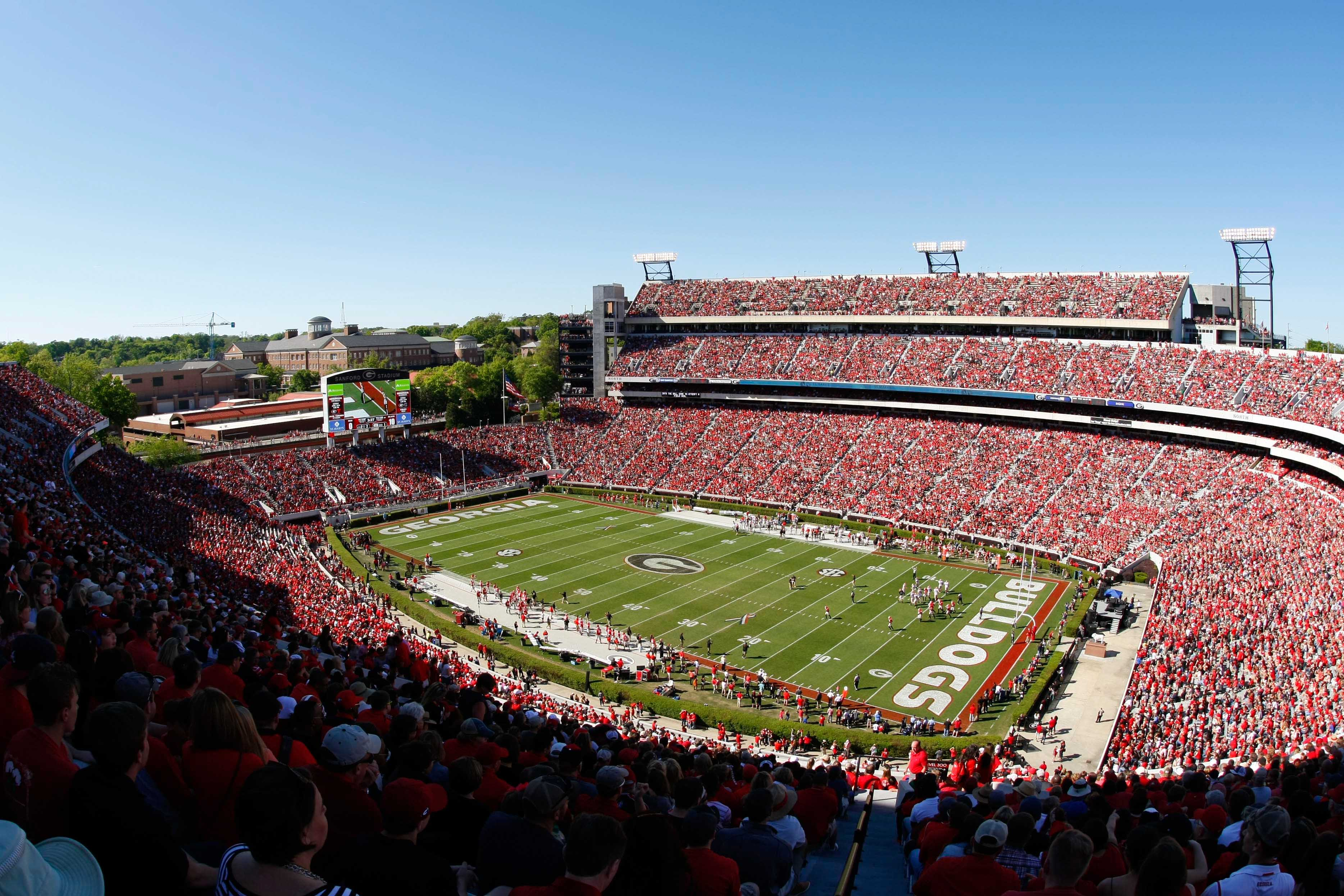 9268291-ncaa-football-georgia-spring-game