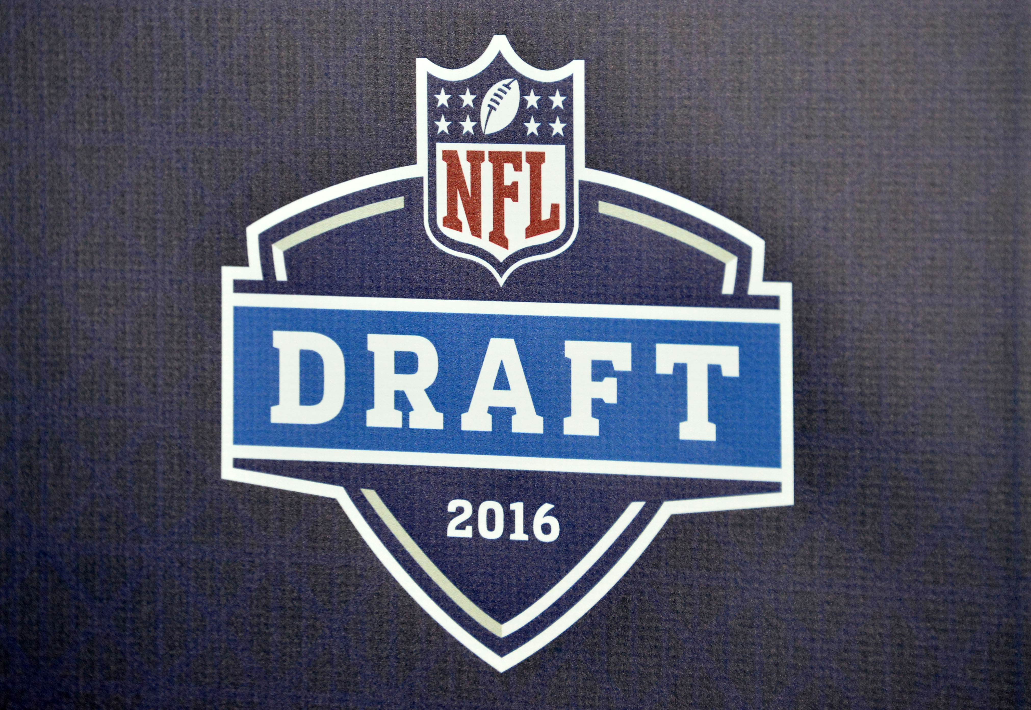 9273473-nfl-los-angeles-rams-draft-party