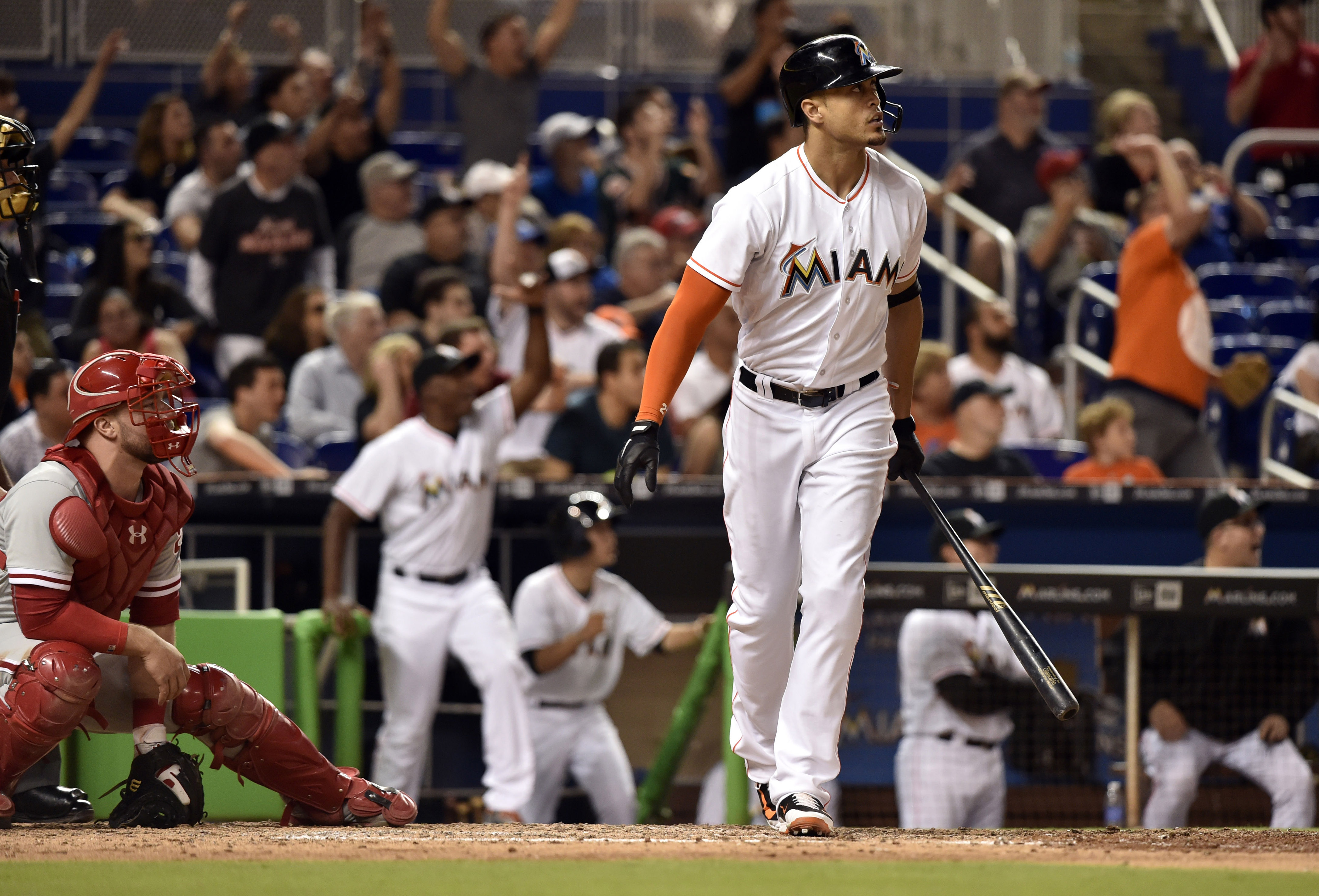 9284363-mlb-philadelphia-phillies-at-miami-marlins
